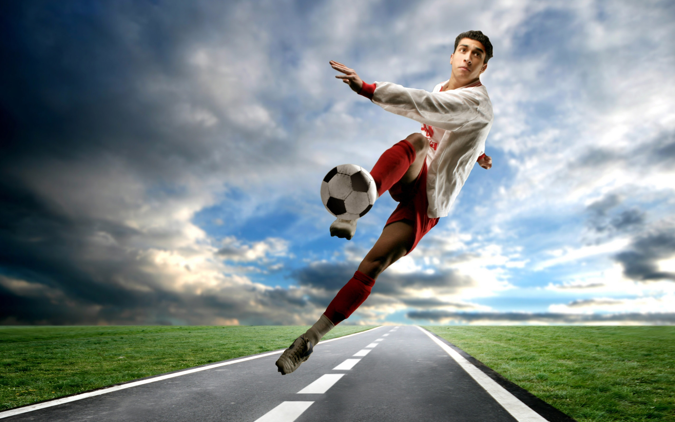 Обои soccer, Ball, Sky kick. Спорт foto 8