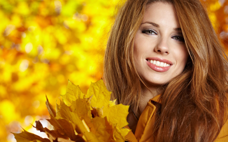 девушки листья осень лицо без смс