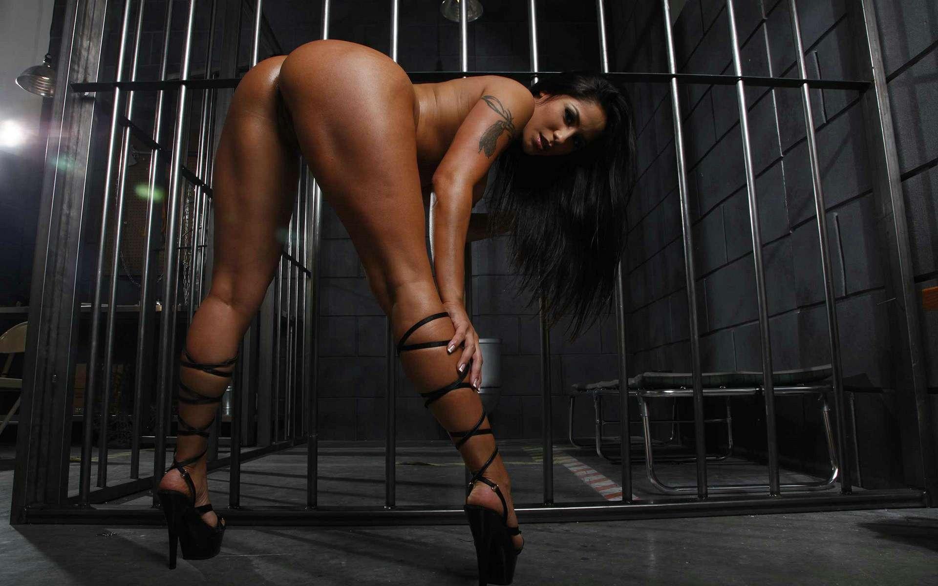 Эро фото в тюрьме 18 фотография