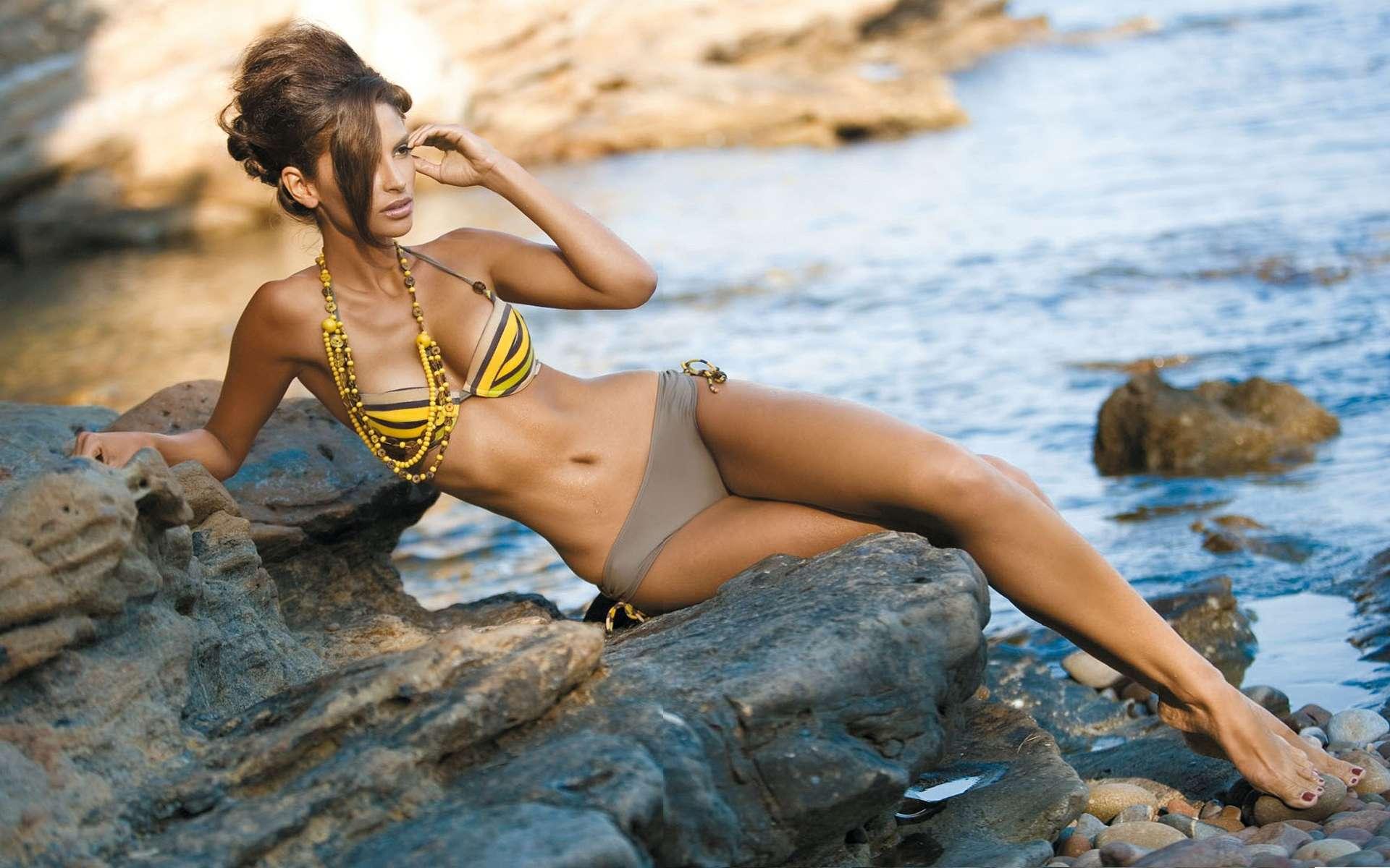 худая модели на пляже техники, которые позволяют