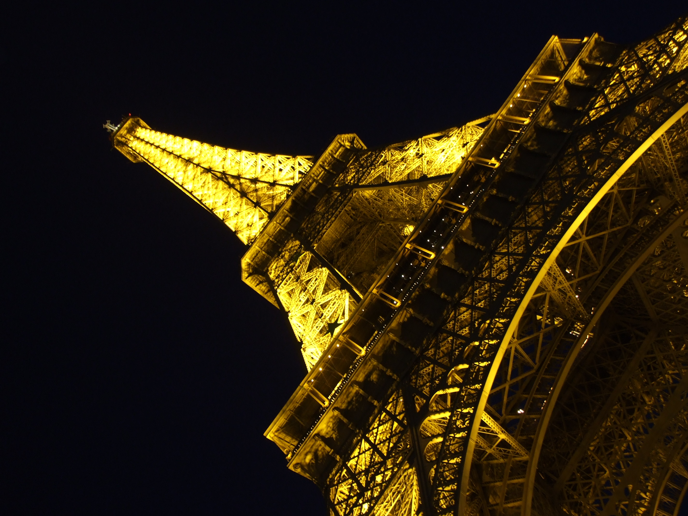 _Eiffel Tower at Night, Paris, France скачать