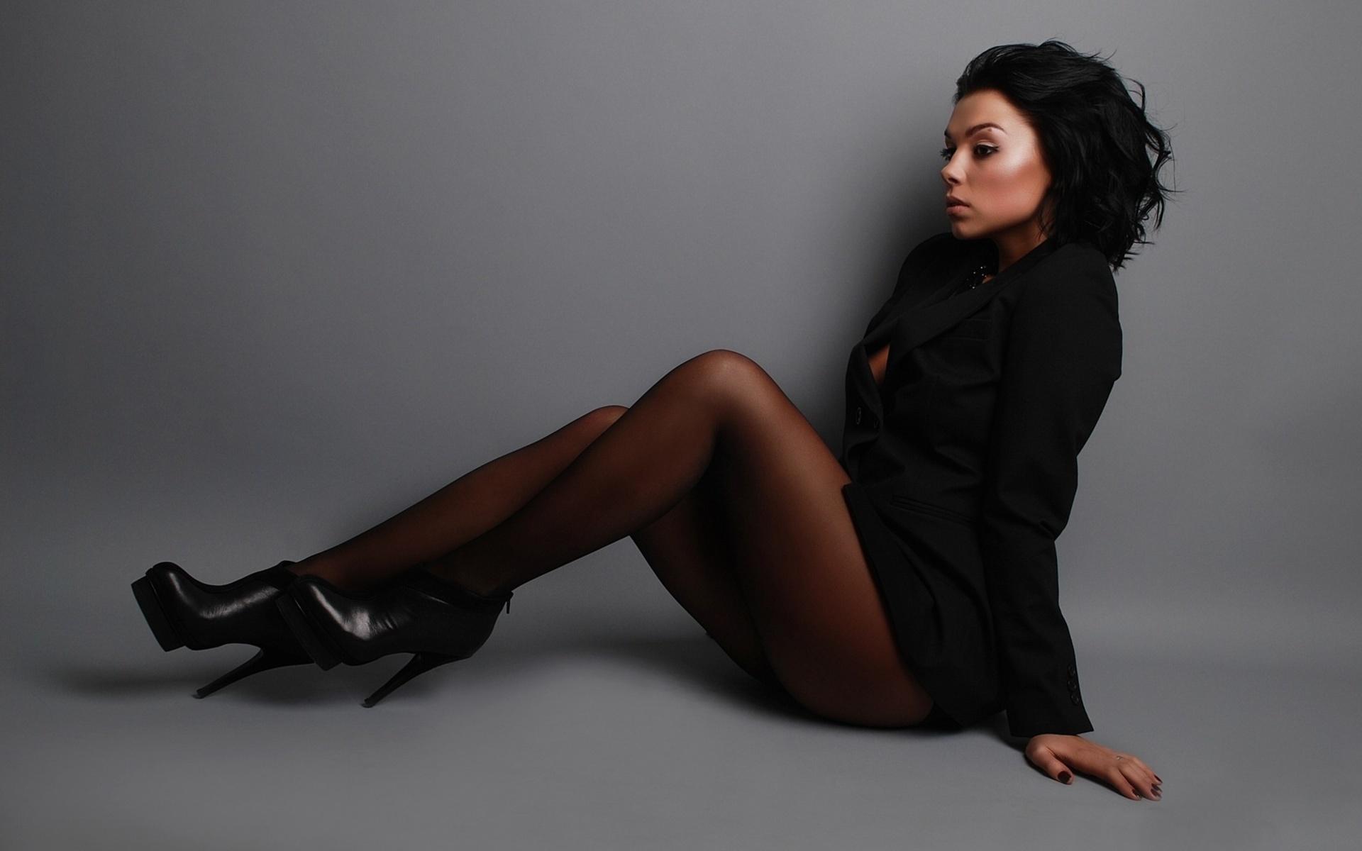 Секс шикарные женщины в колготках в черных