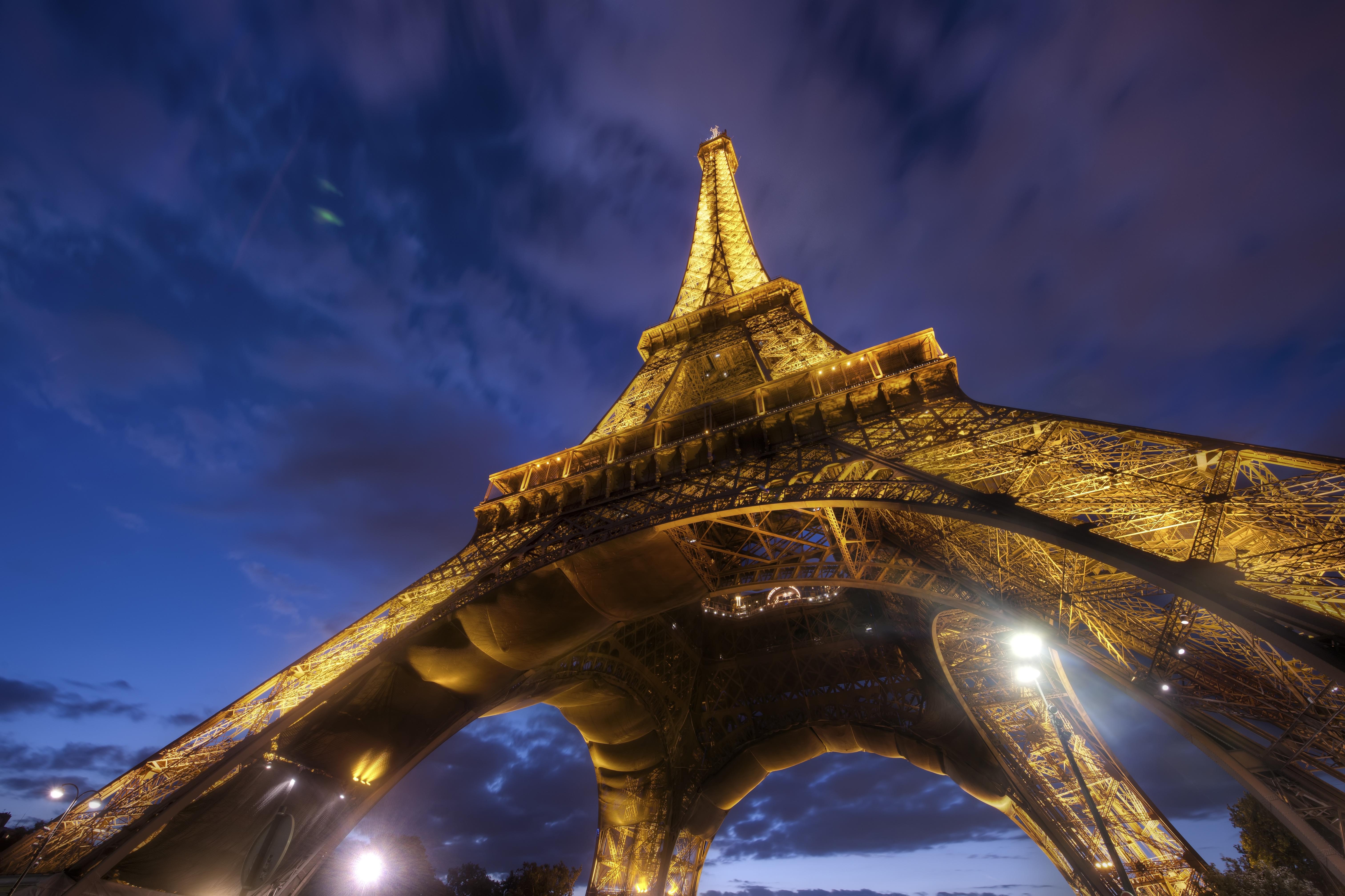 Париж из космоса  № 3715229 без смс