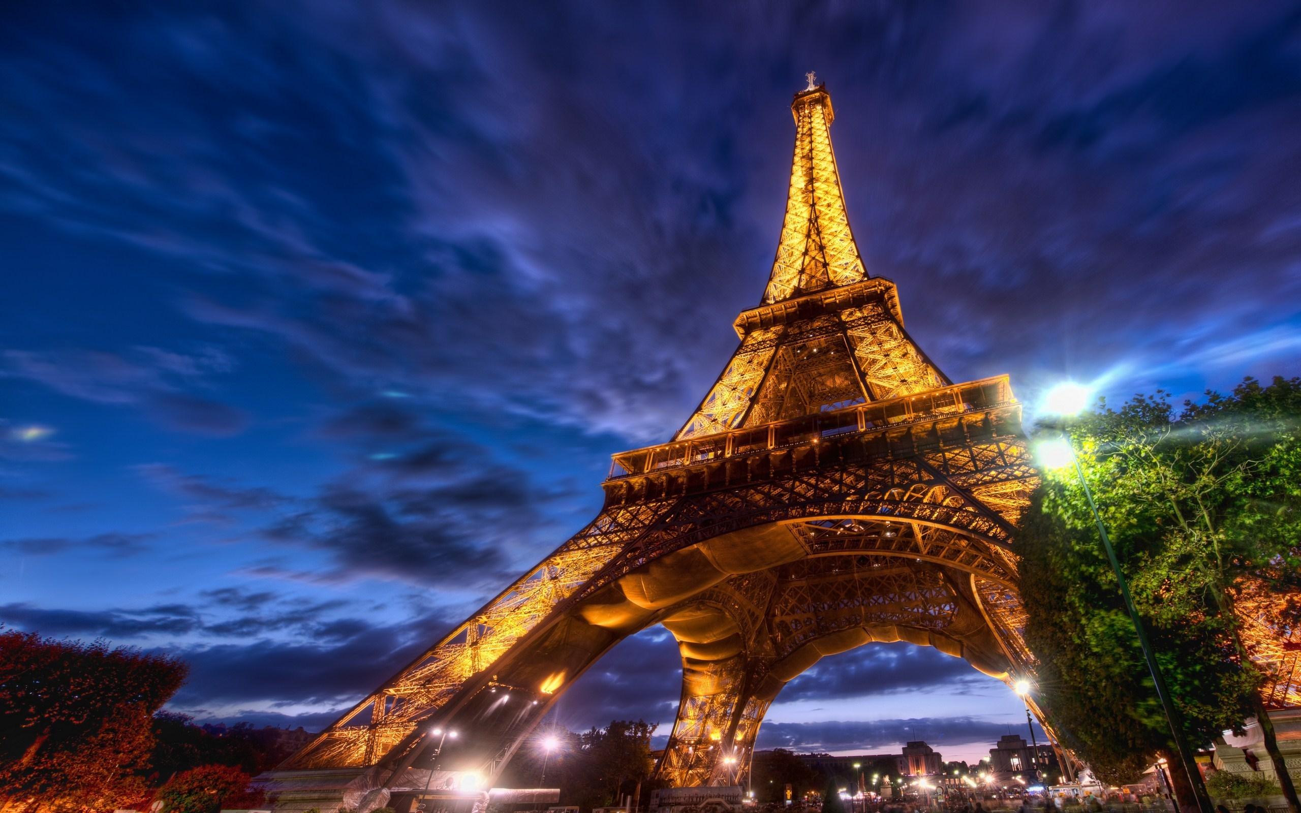 Париж из космоса  № 3715281 бесплатно