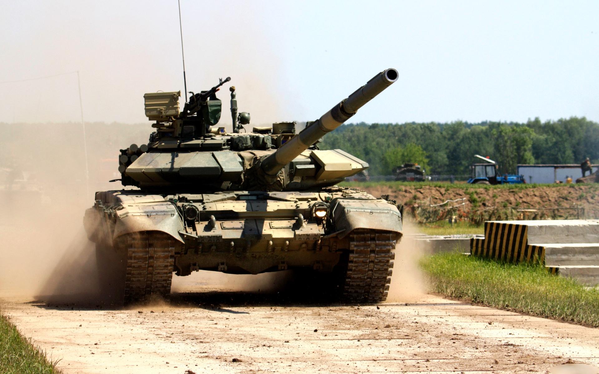 выбрать самое фото военная техника танки этом разделе