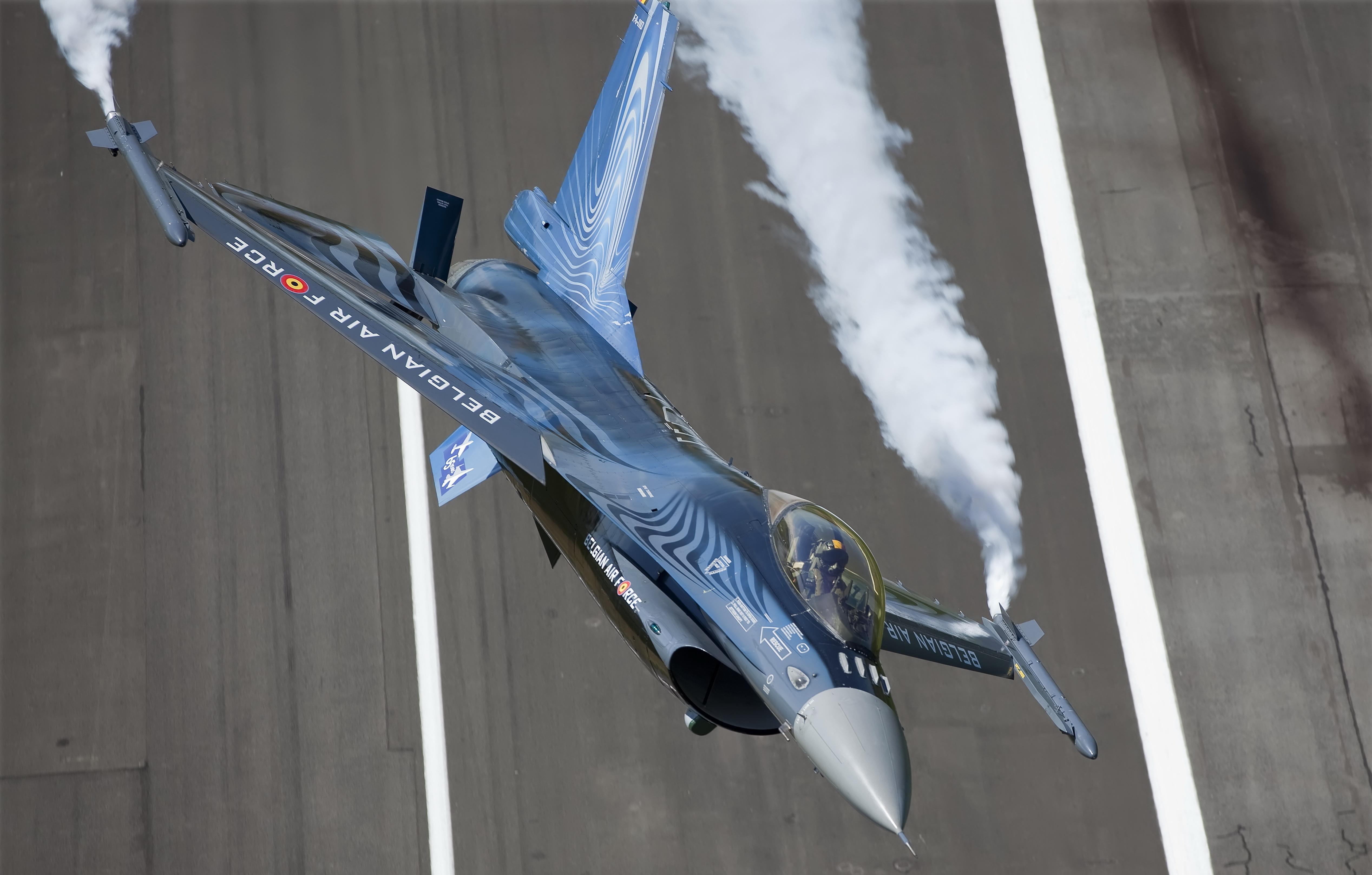 авиация самолет желтый F-16 Fighting Falcon  № 3755613  скачать