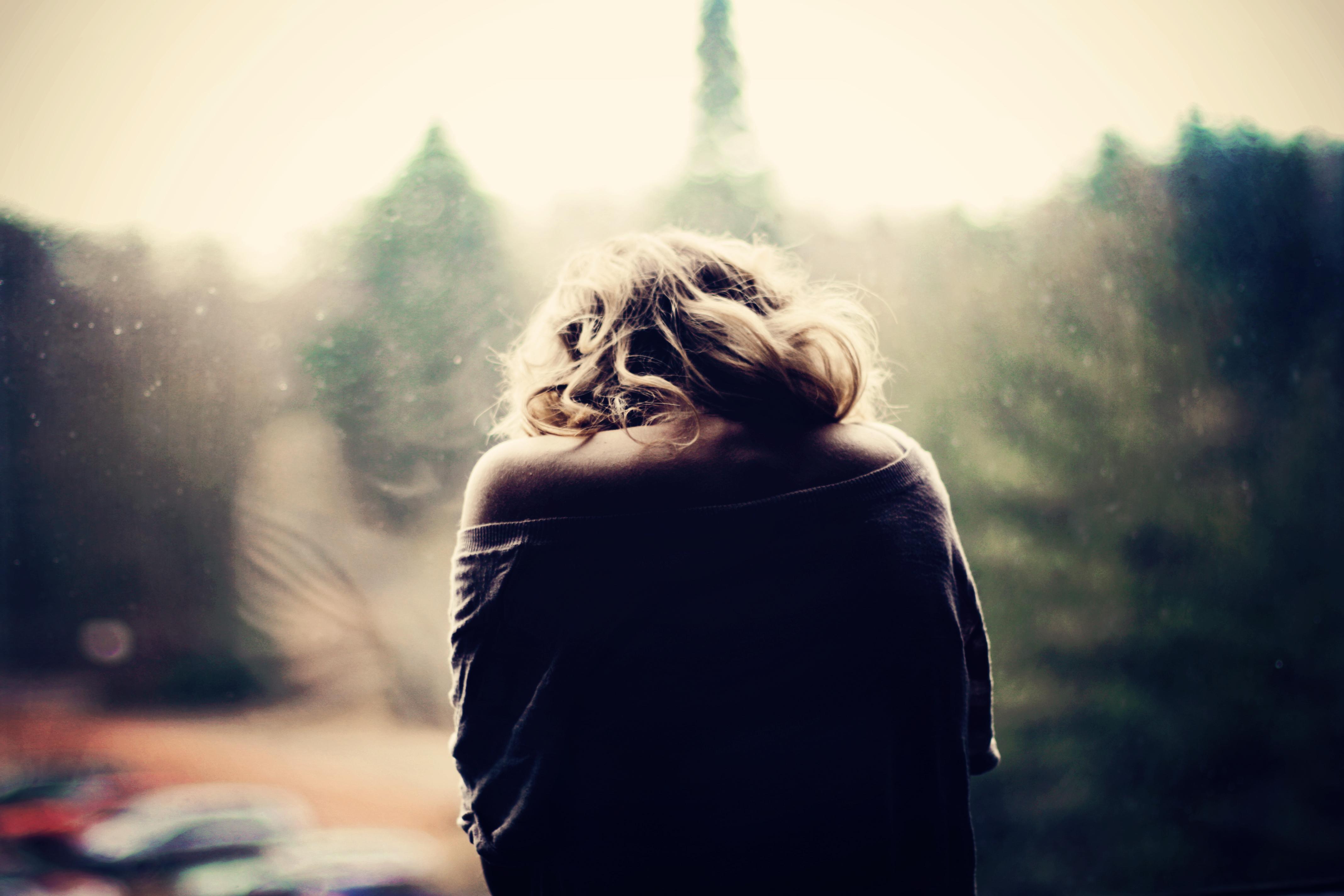 картинки грустные девушки