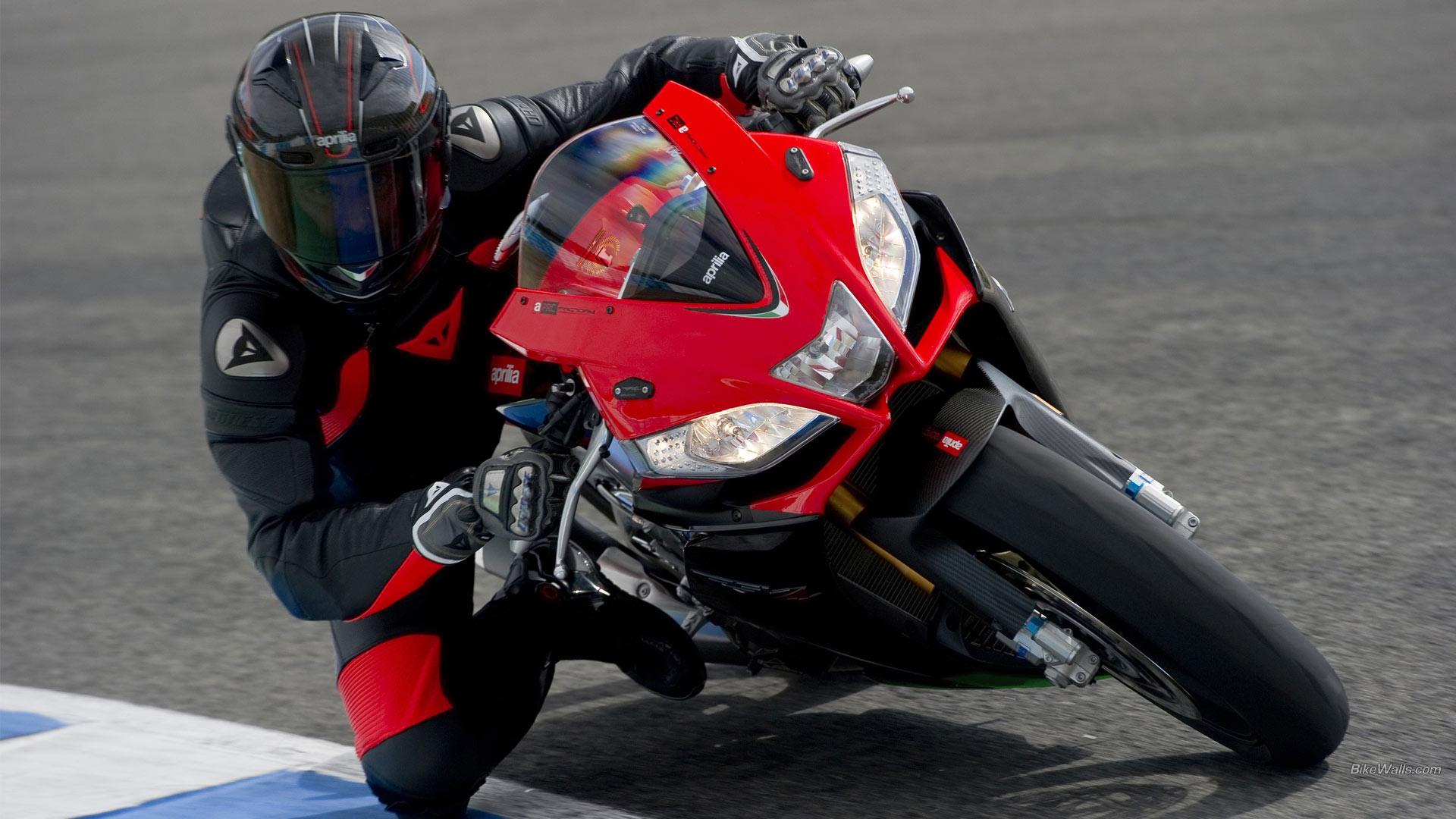 Гонщик вираж мотоцикл  № 1638133  скачать