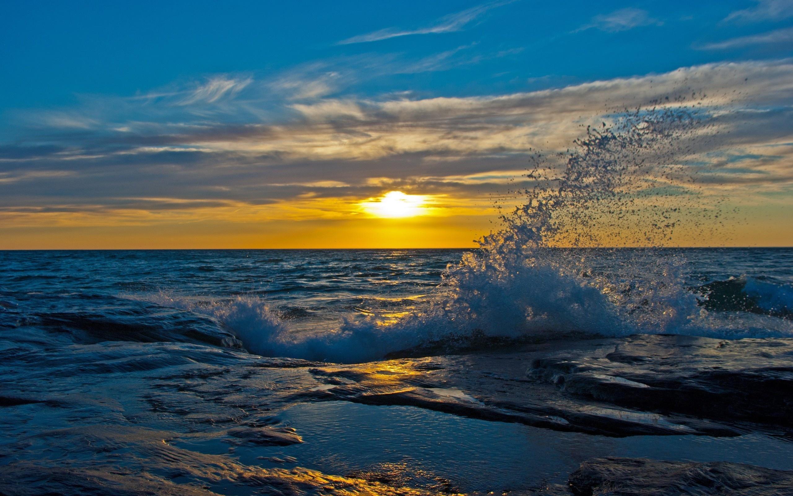 закат над бушующим морем  № 602852 без смс