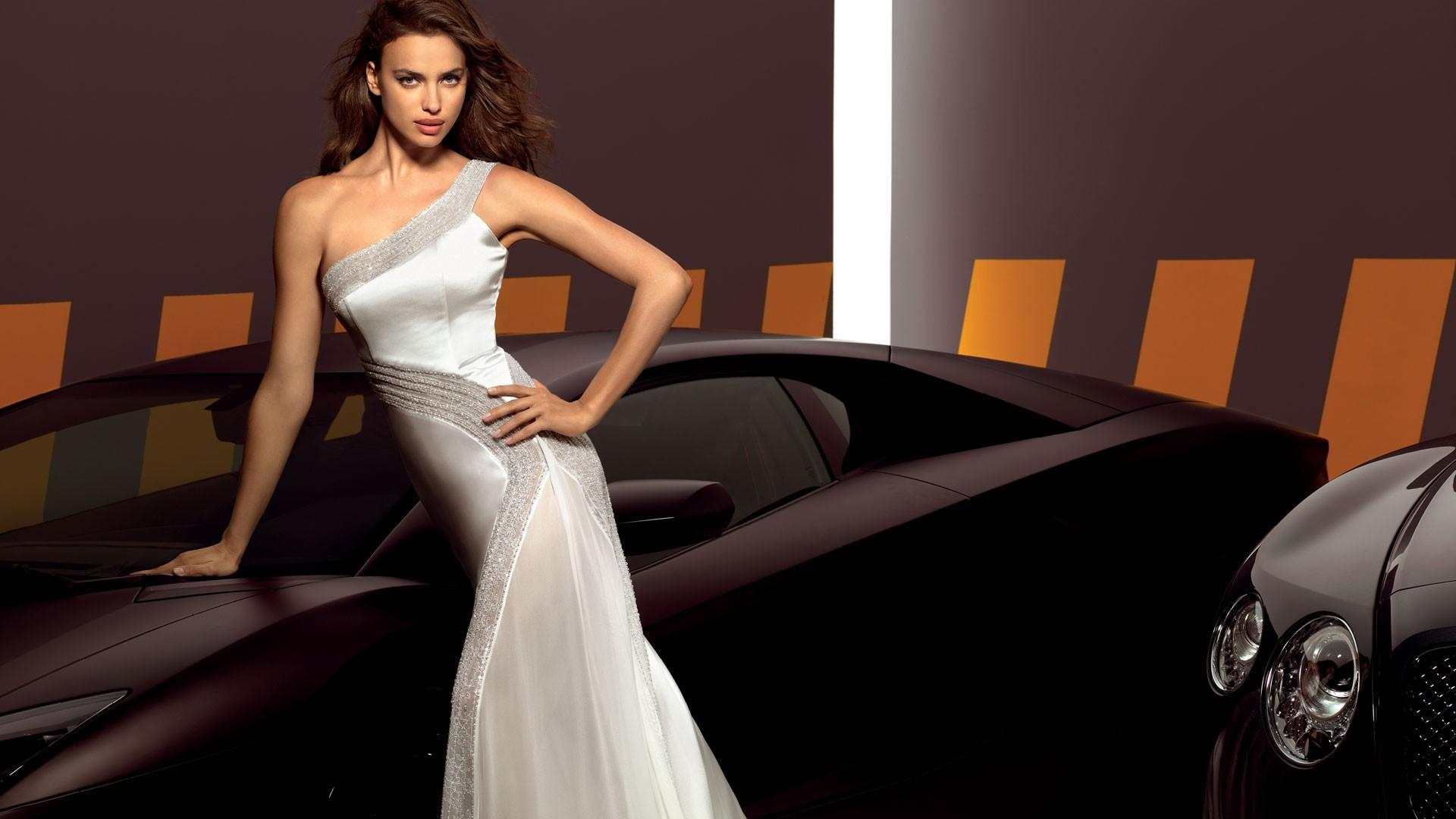 Топ модели в платьях