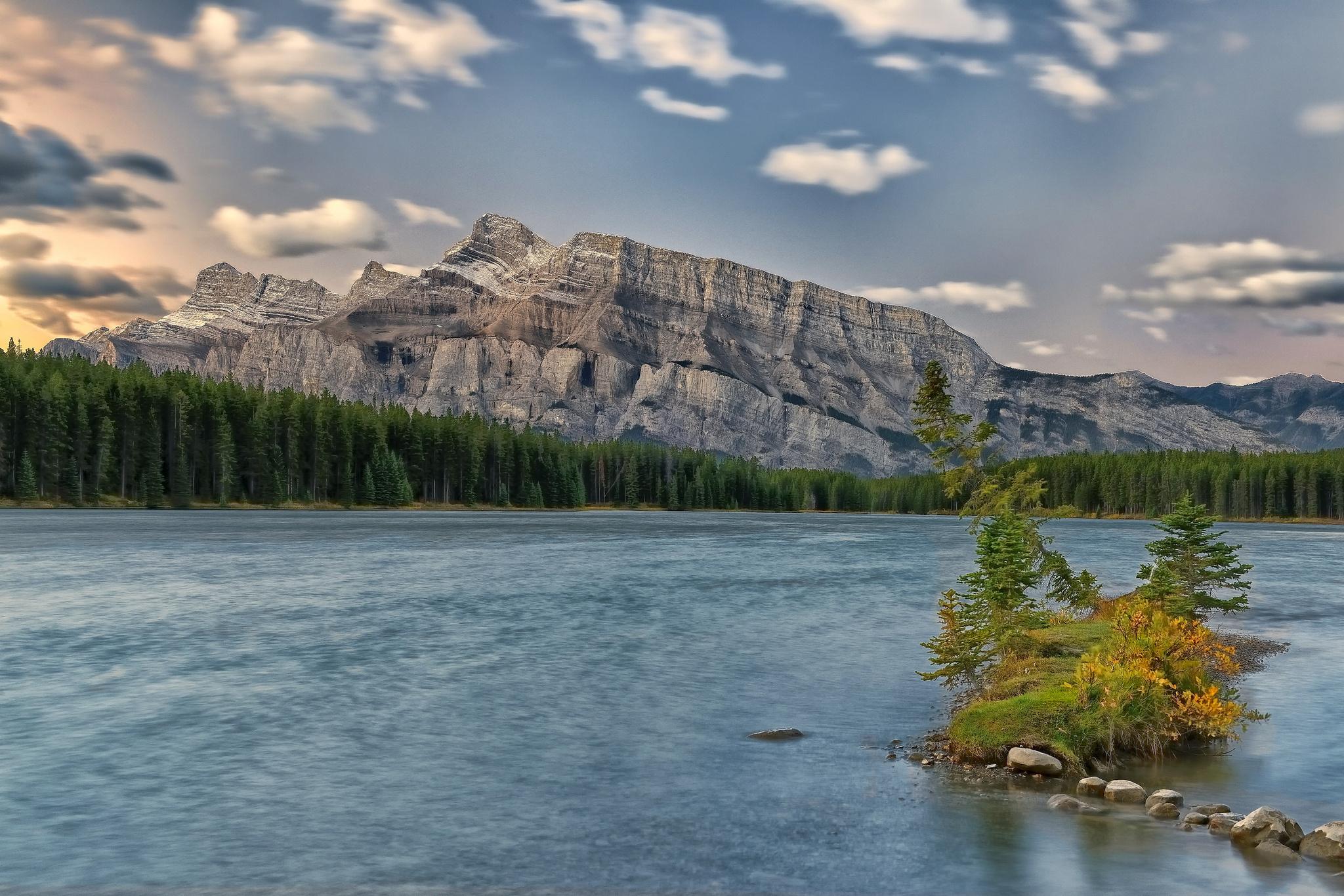 Mount Rundle, Banff National Park, Alberta, Canada без смс