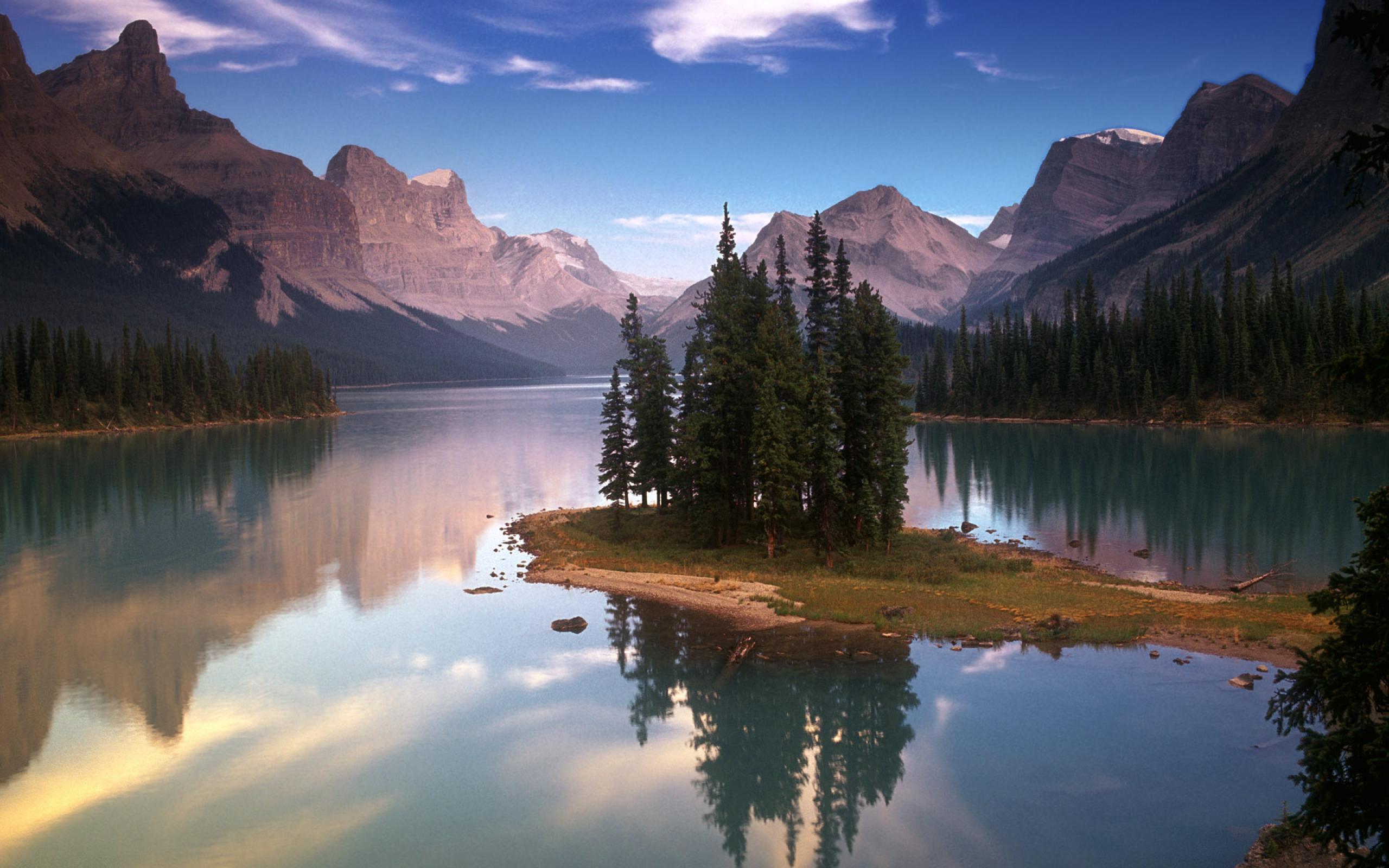 Фонтан озеро лес горы скачать