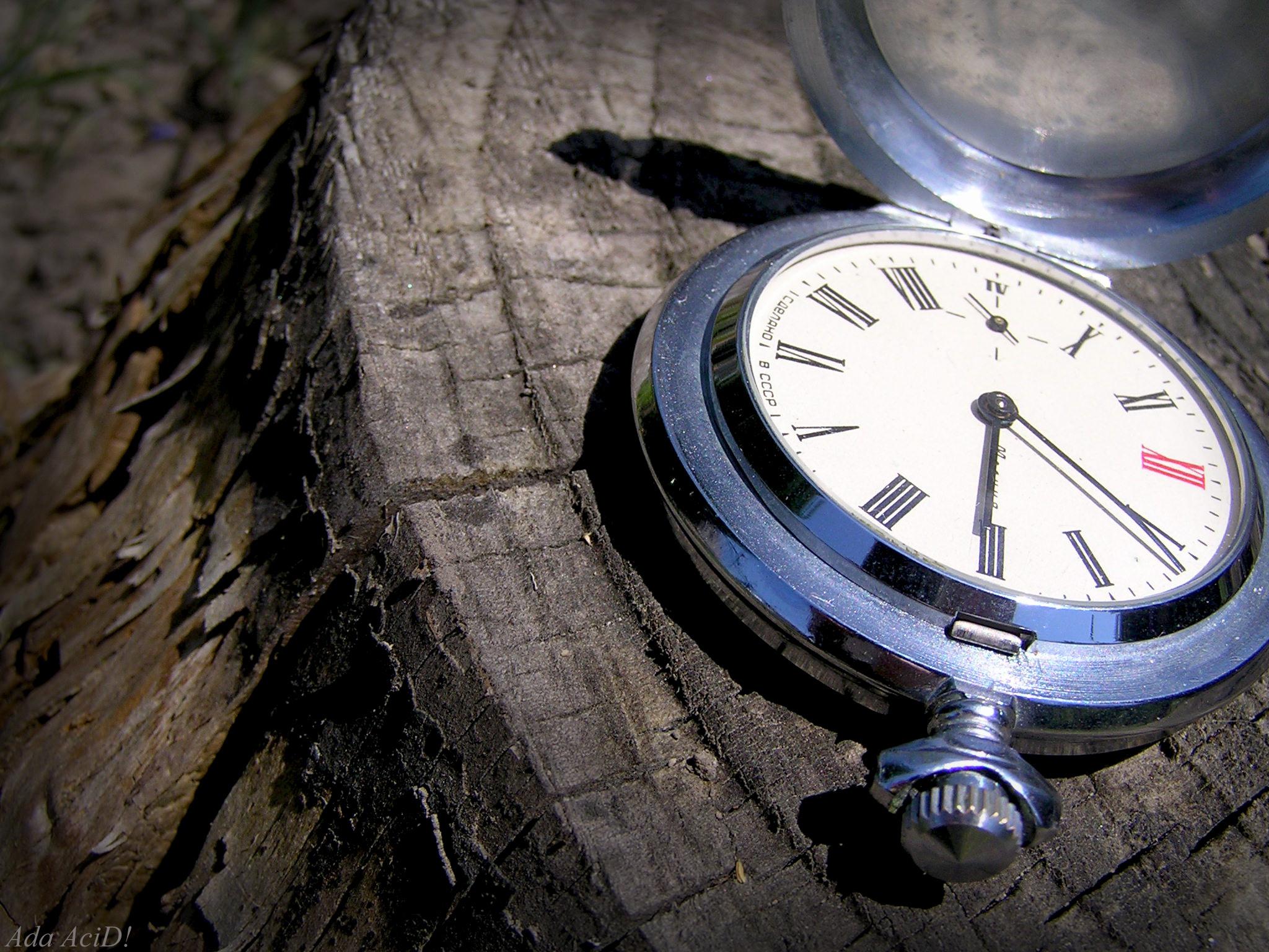 обои бесплатно скачать на рабочий стол часы в воде № 188097 бесплатно