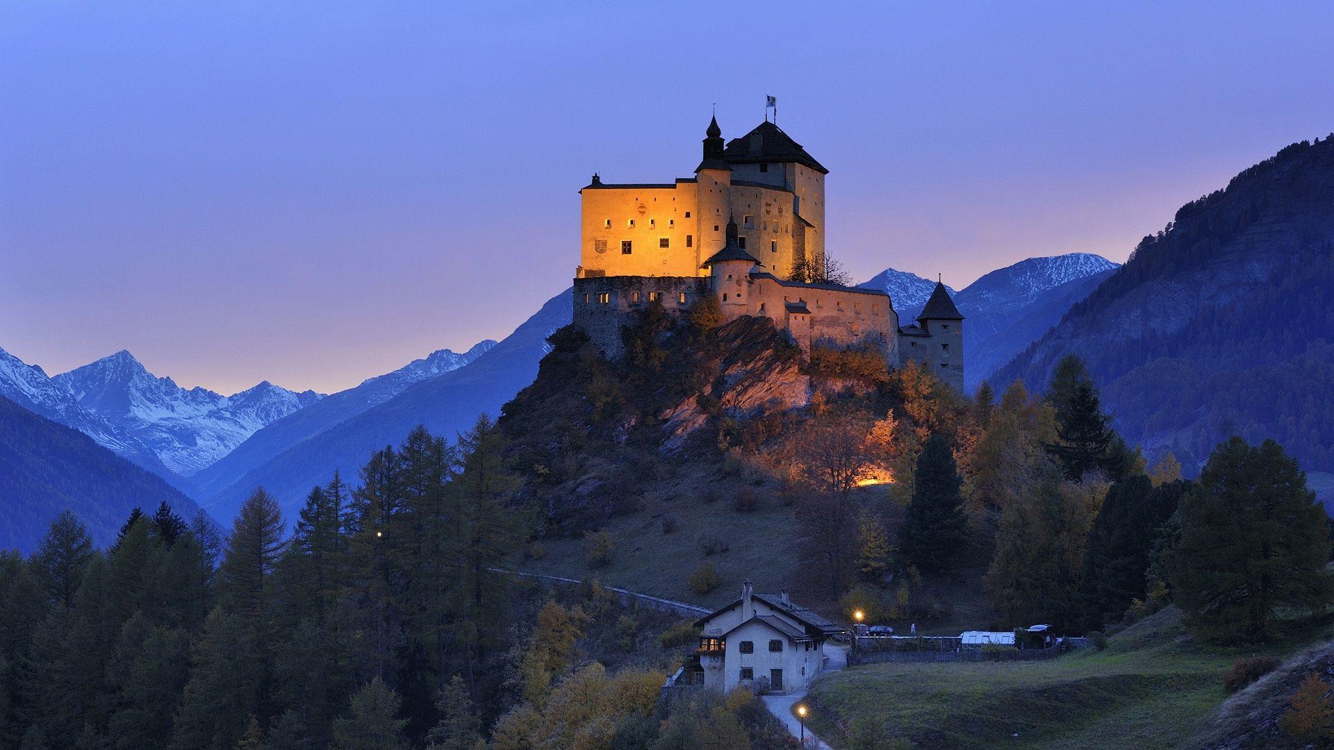 Замок на холме анонимно