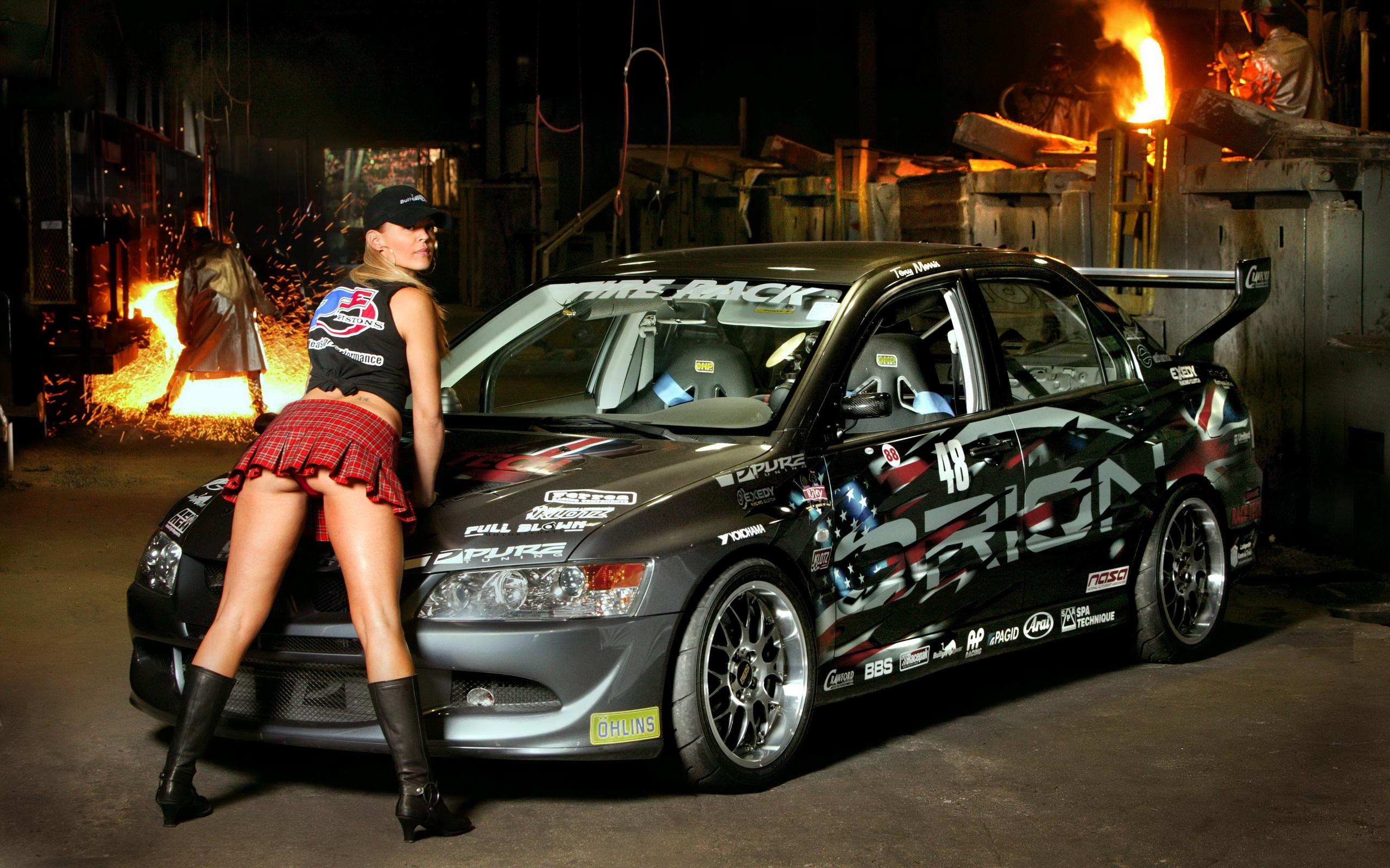 Гоночные машины и девушки фото