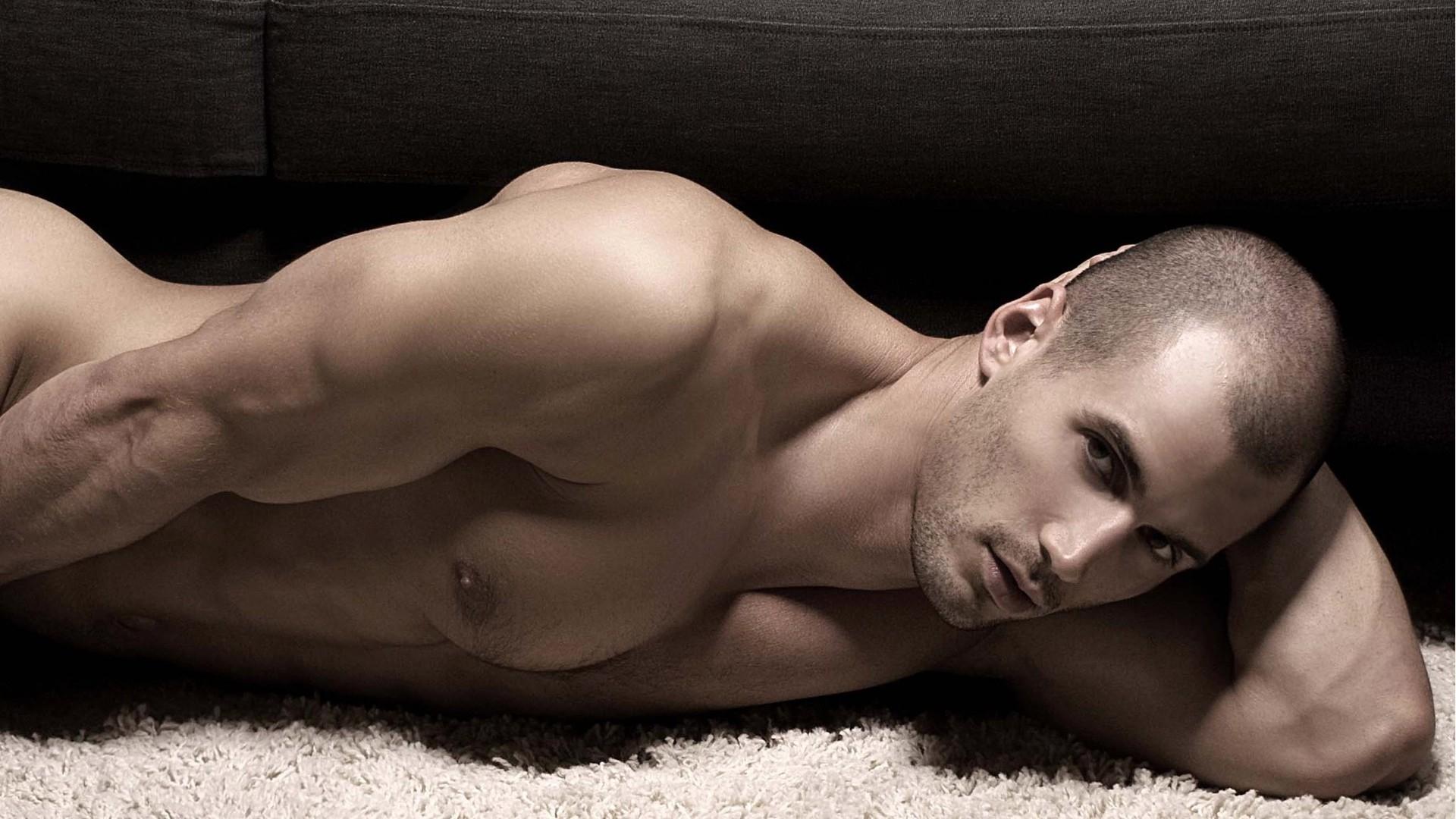 Себя красивые и голые мужчины