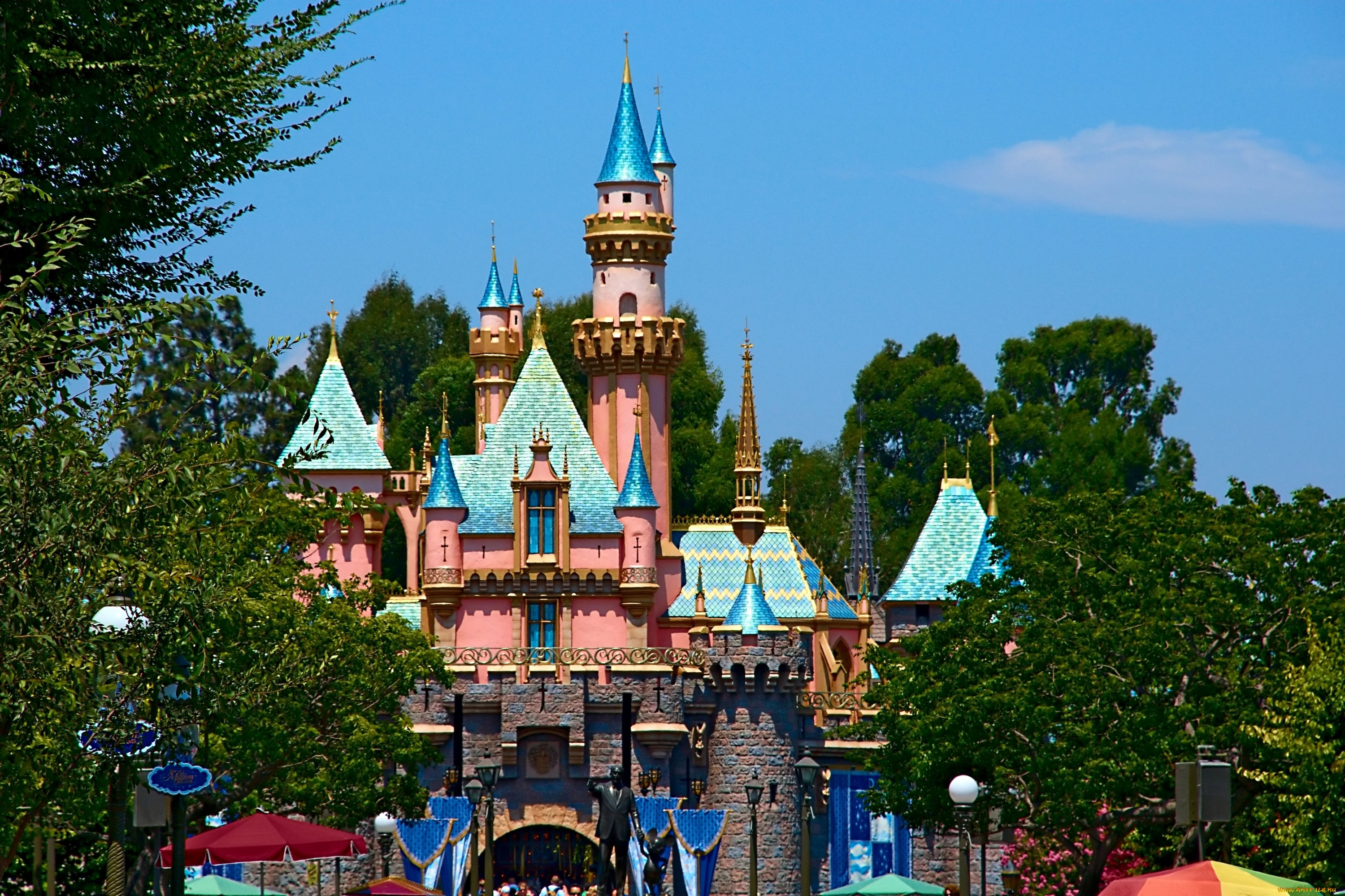 amusement park and euro disney essay View essay - the disney's america theme park essay example for free from mba 525 at university of texas (/) the disneys america theme park essay.