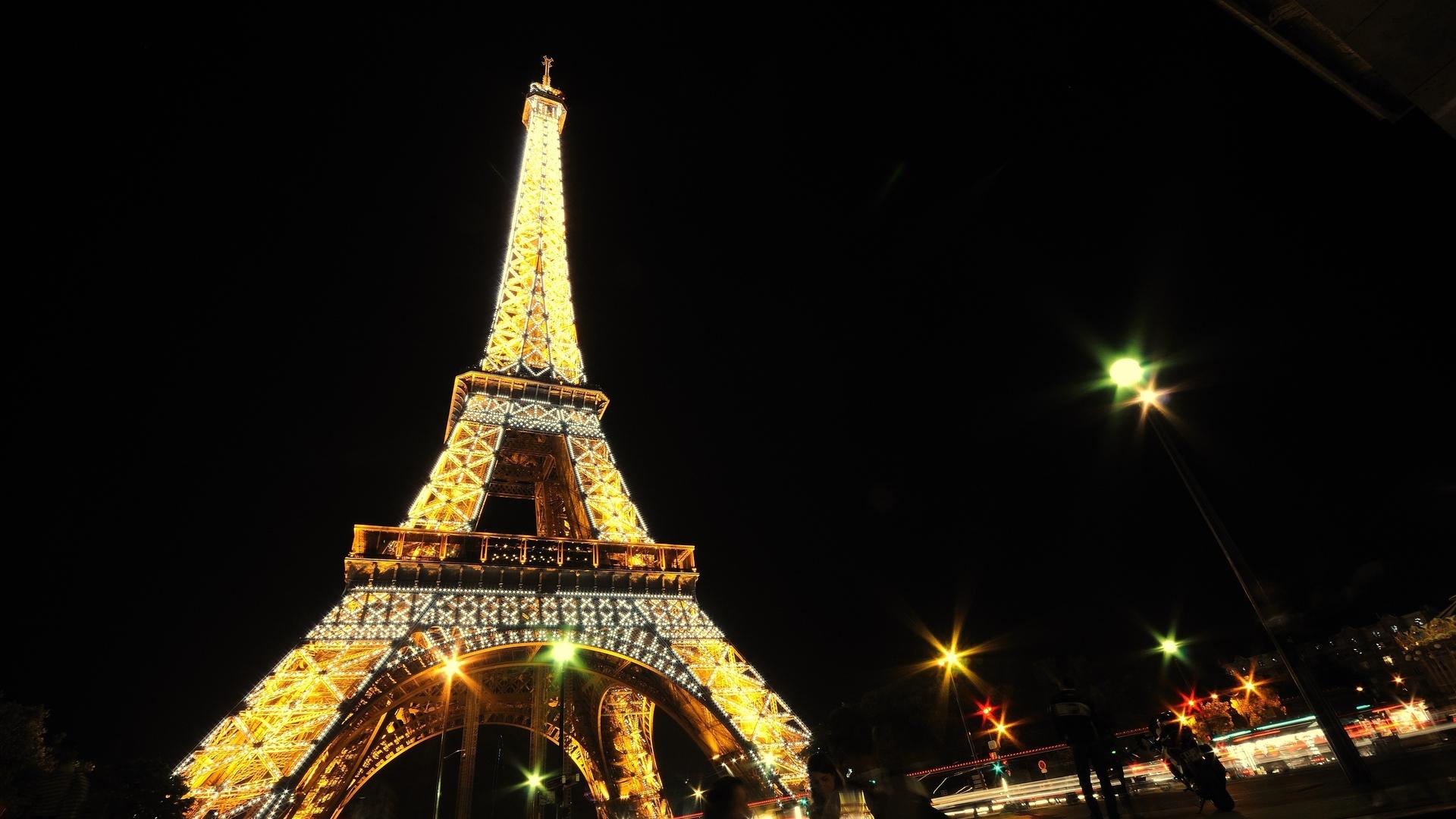 рисунках обои на телефон эйфелева башня ночью или гладкая каждый