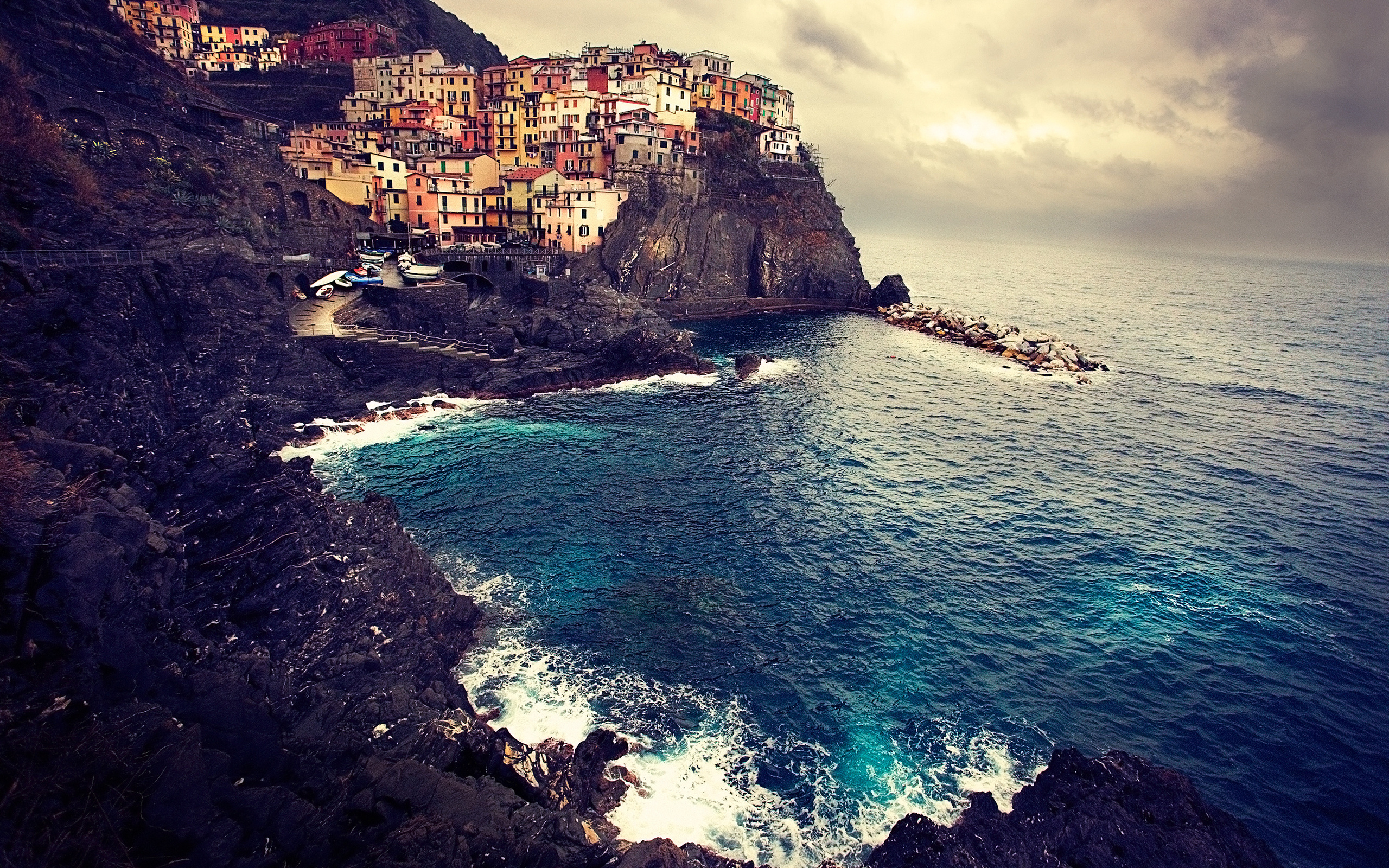 природа облака небо море Чинкве-Терре Италия  № 2798807 загрузить