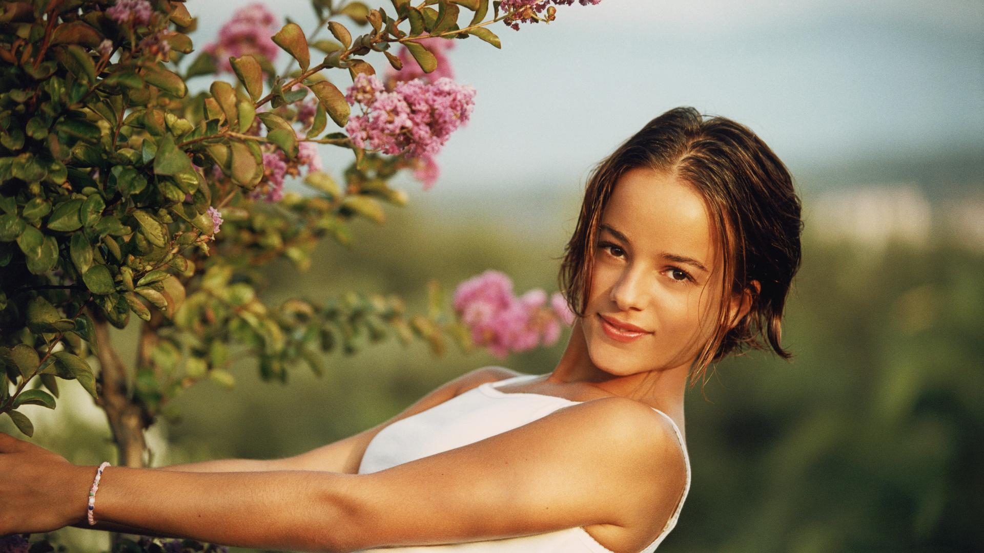 Молодая девушка в хорошем качестве