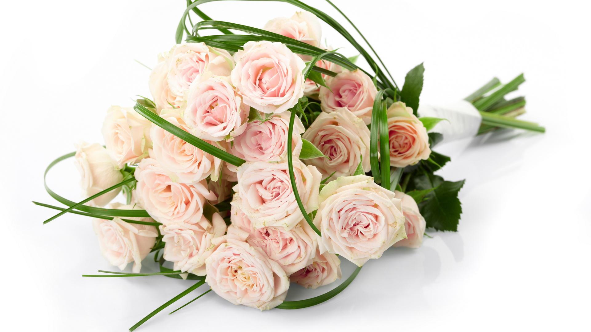 Картинки, с днем рождения женщине открытки с розами белыми или розовые