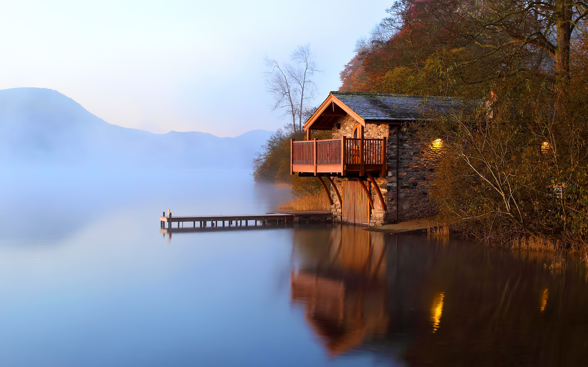 Озерцо возле дома, Англия  № 1486863 загрузить