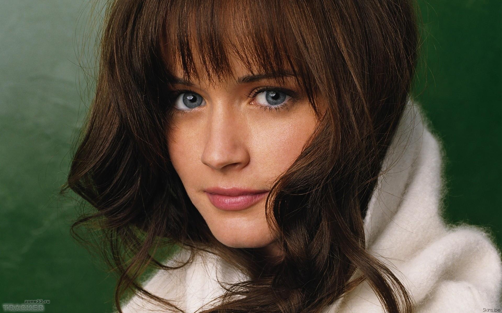 помощь придут молодые российские актрисы красивые фото компании галерея плитки