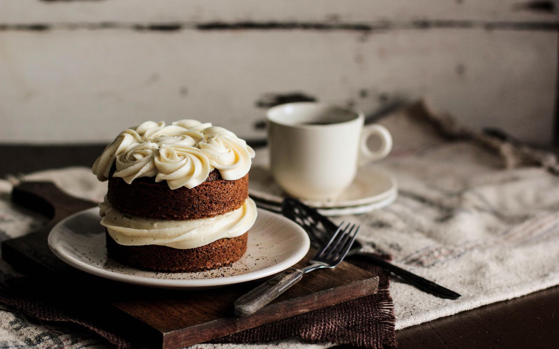 Кусочек торта с корицей бесплатно