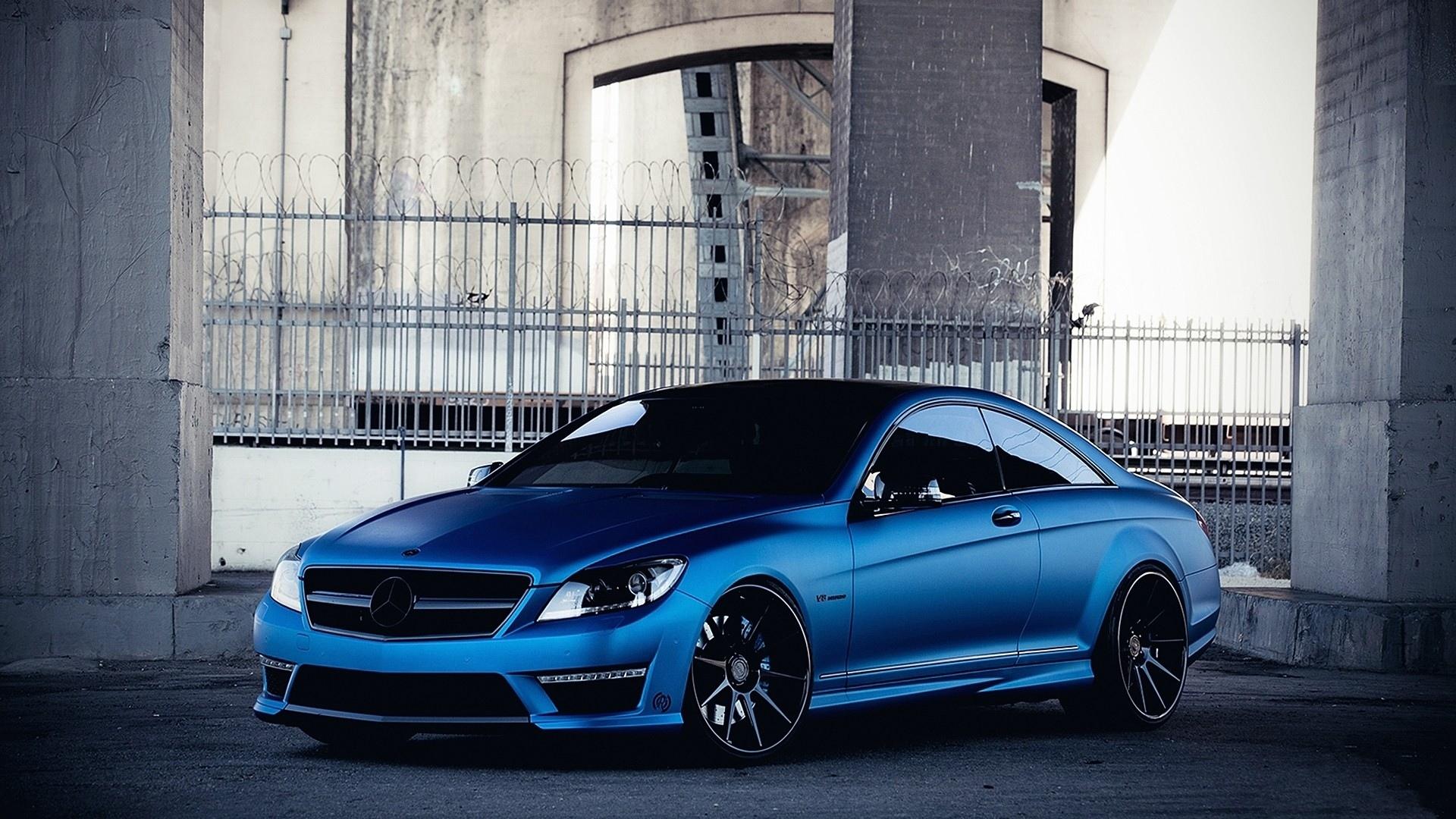 Mercedes-Benz CLS63 AMG синий автомобиль в хорошем качестве