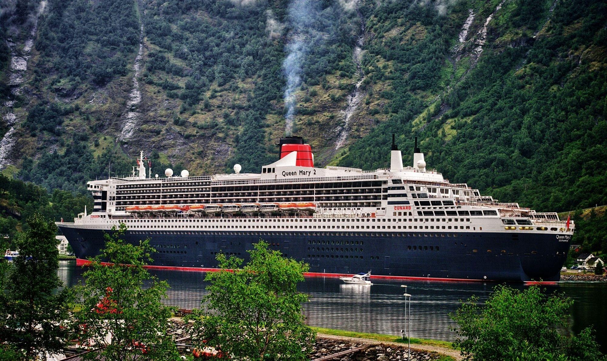 Корабль Queen Mary 2  № 3495244 загрузить