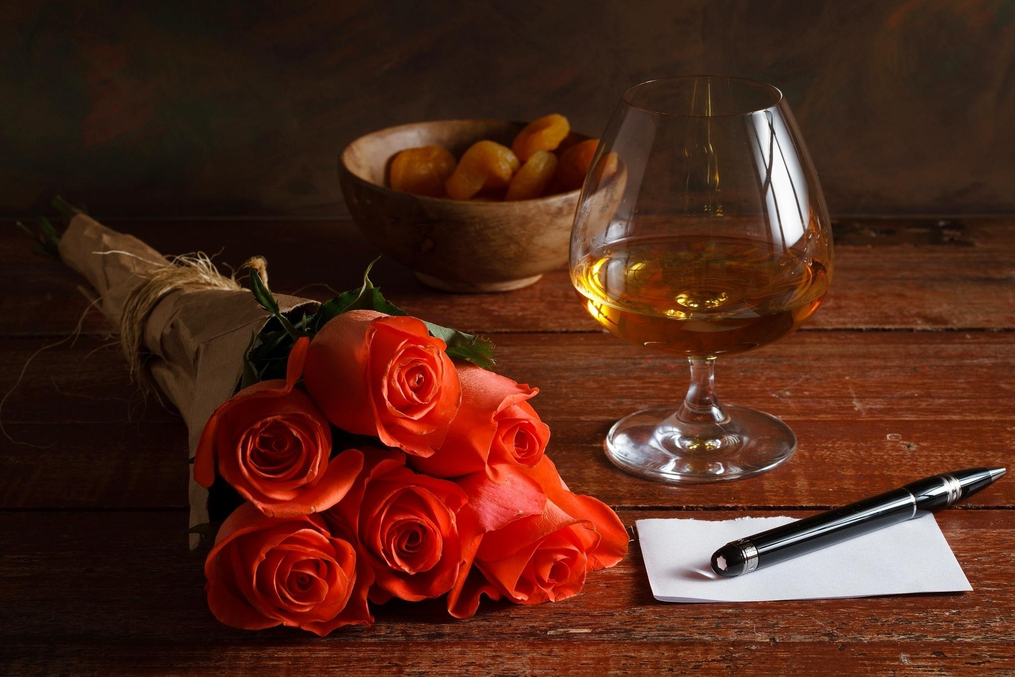 Розы и коньяк открытки