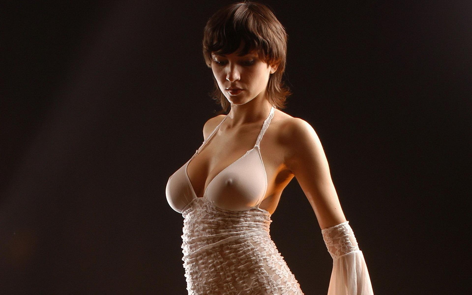 Фото женщин в эротичных платьях 5 фотография