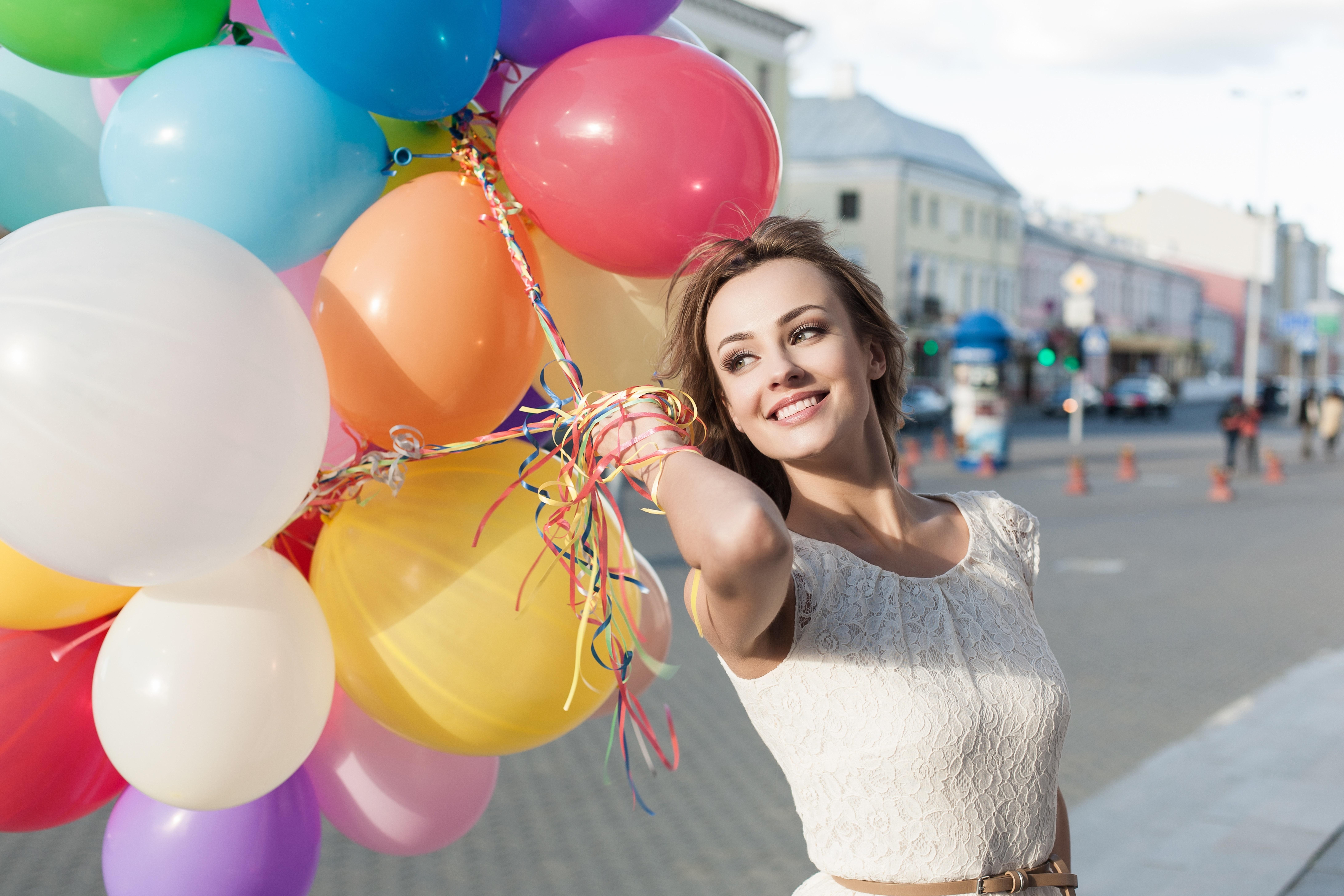 Вторника картинки, девушка с шариками воздушными картинки