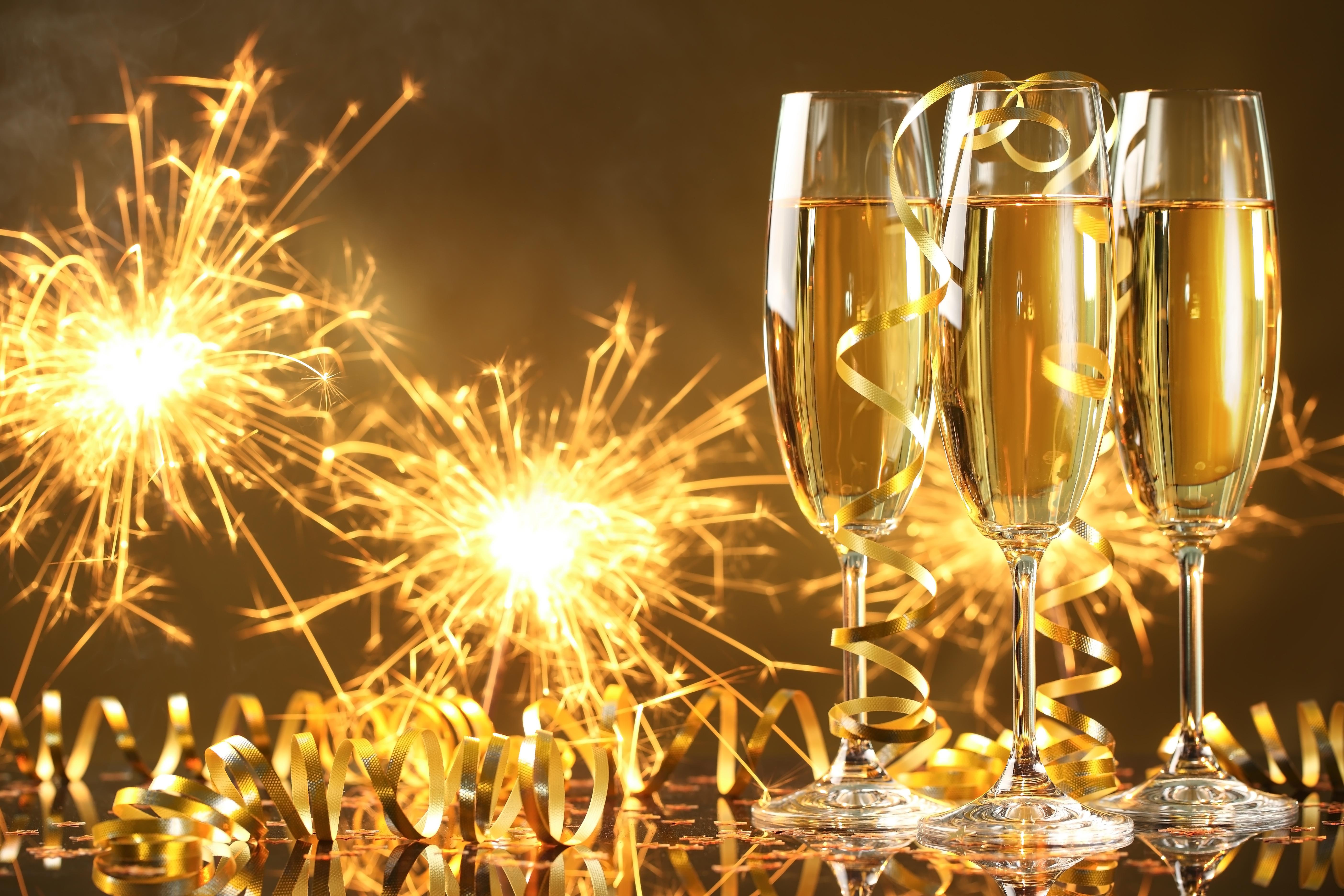 С днем рождения картинка с шампанским, открытки днем