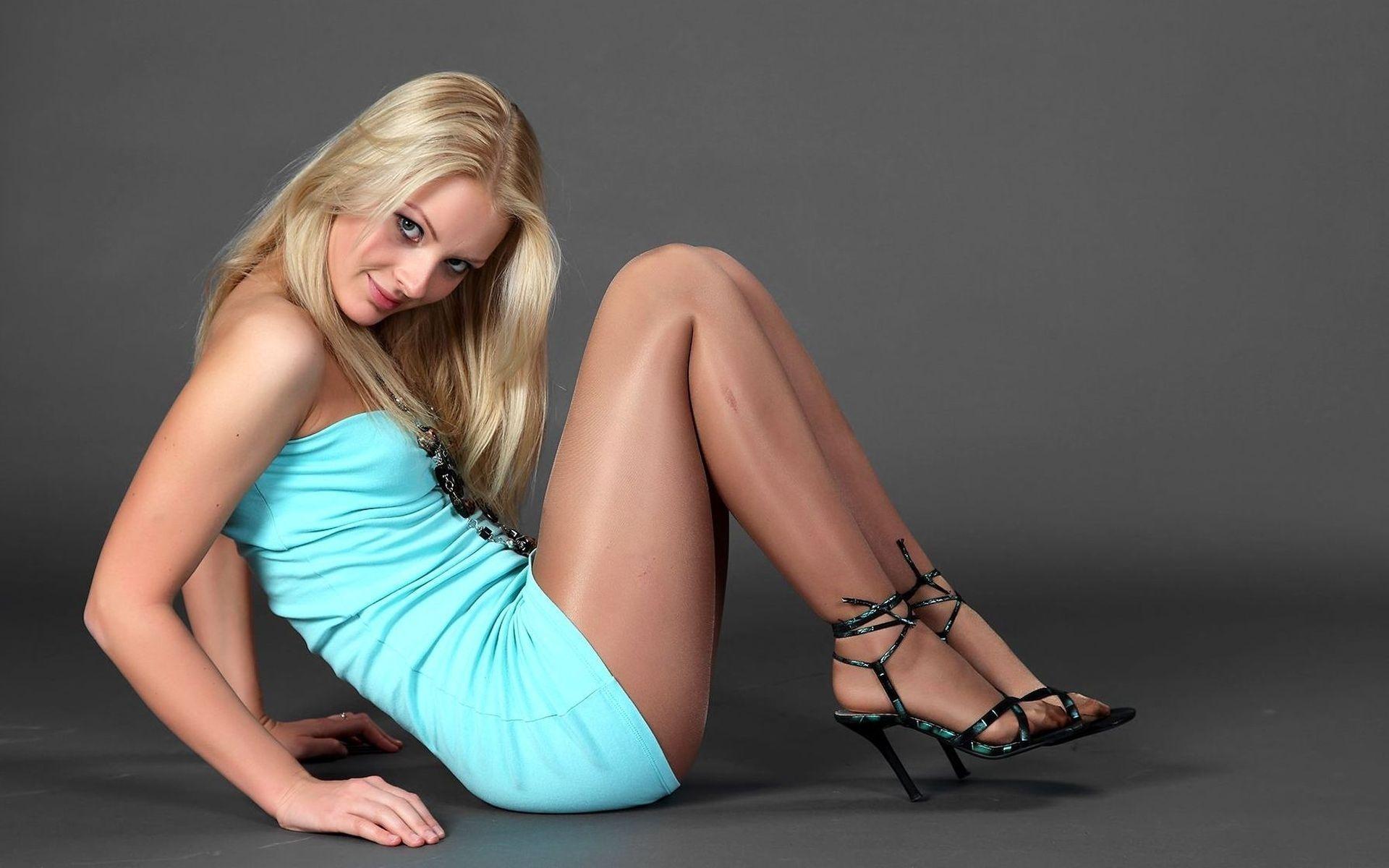 Член анал очаровательные ноги девушек