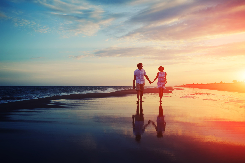 Картинки смыслом, гифы прогулка с любимой по вечернему берегу моря