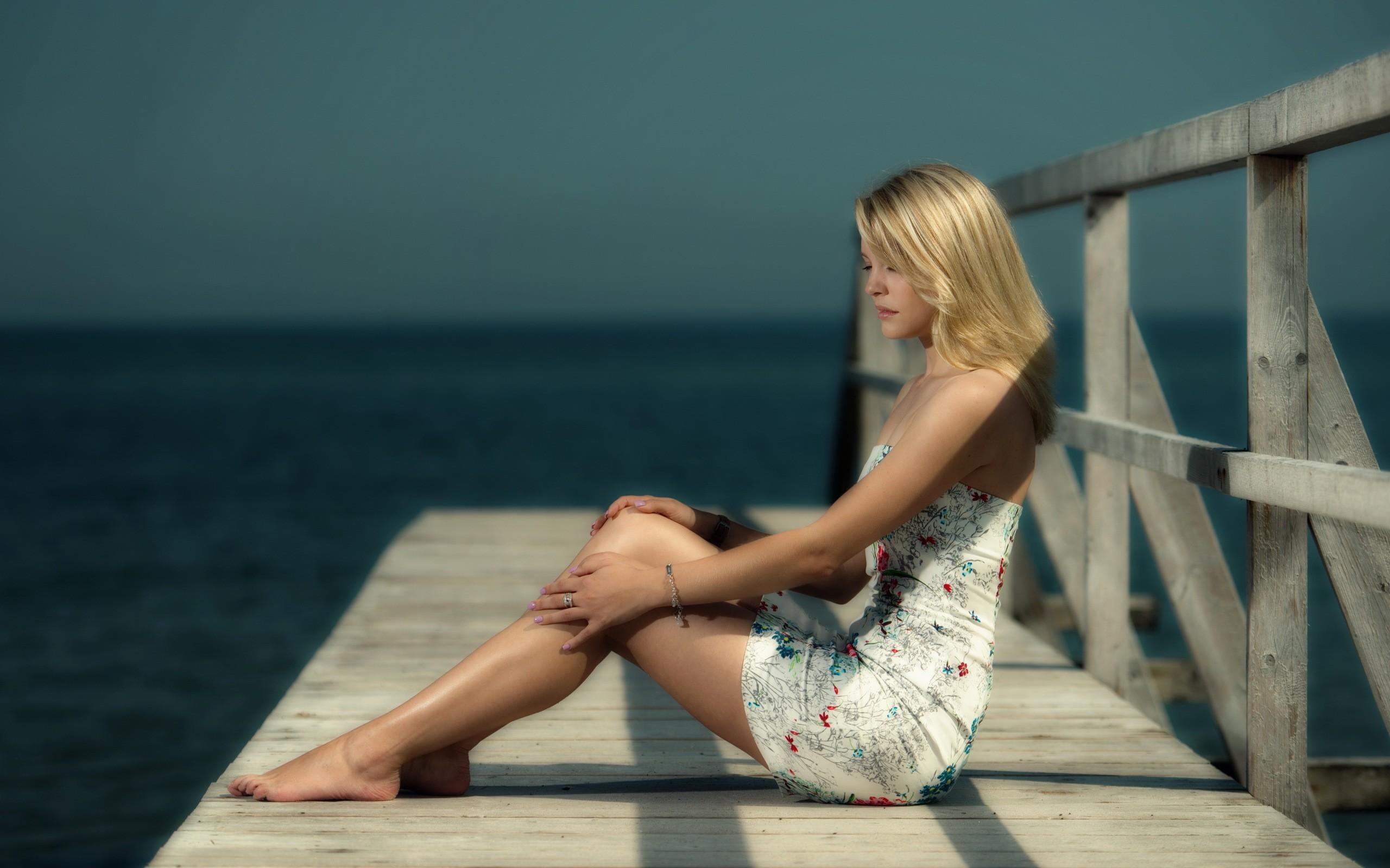 Своими руками, картинки на мосту блондинка