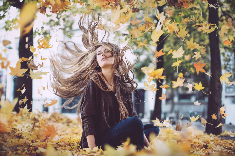 Красивые картинки девушек в осени