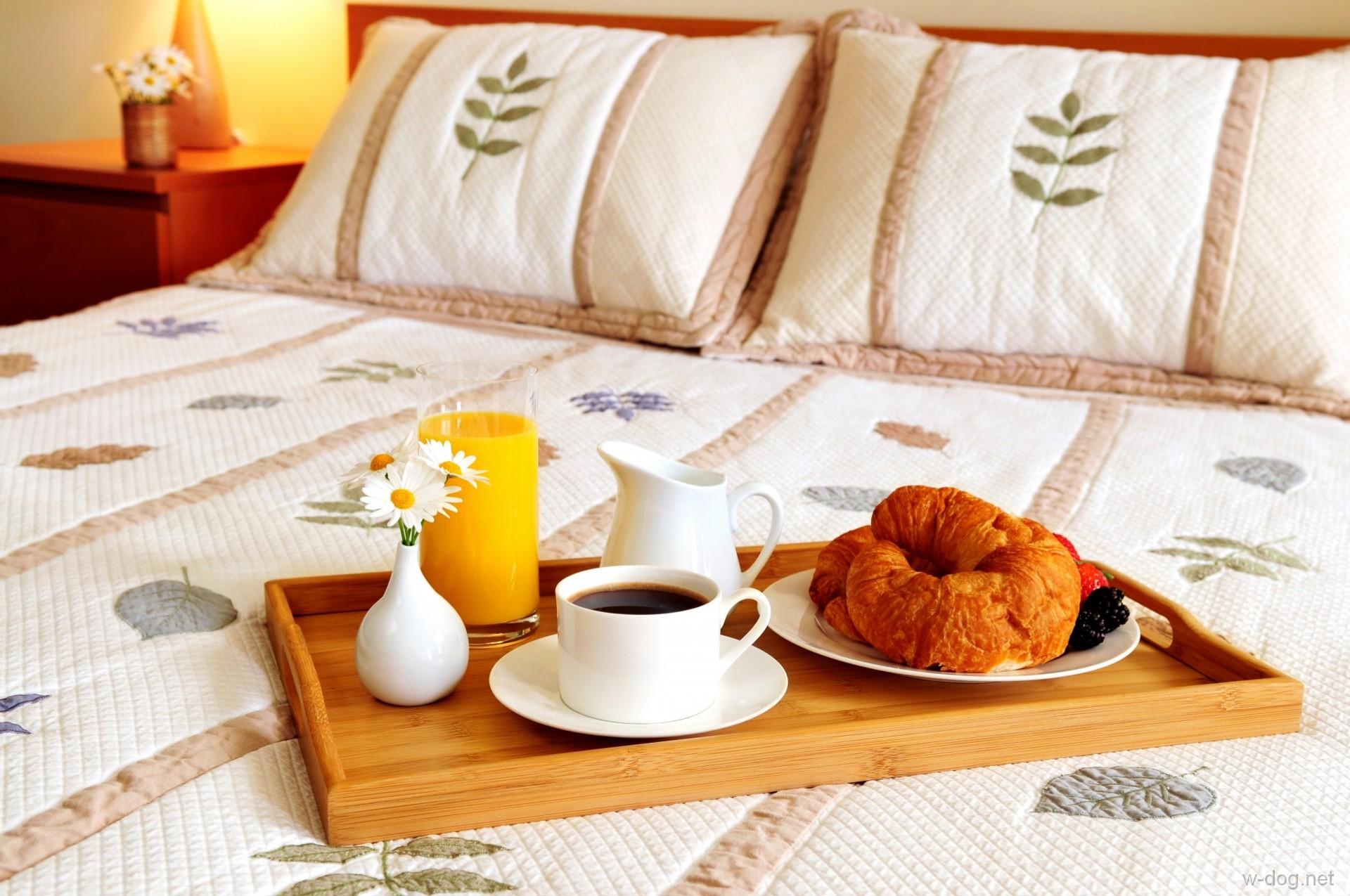 Картинки с добрым утром и кофе в постель