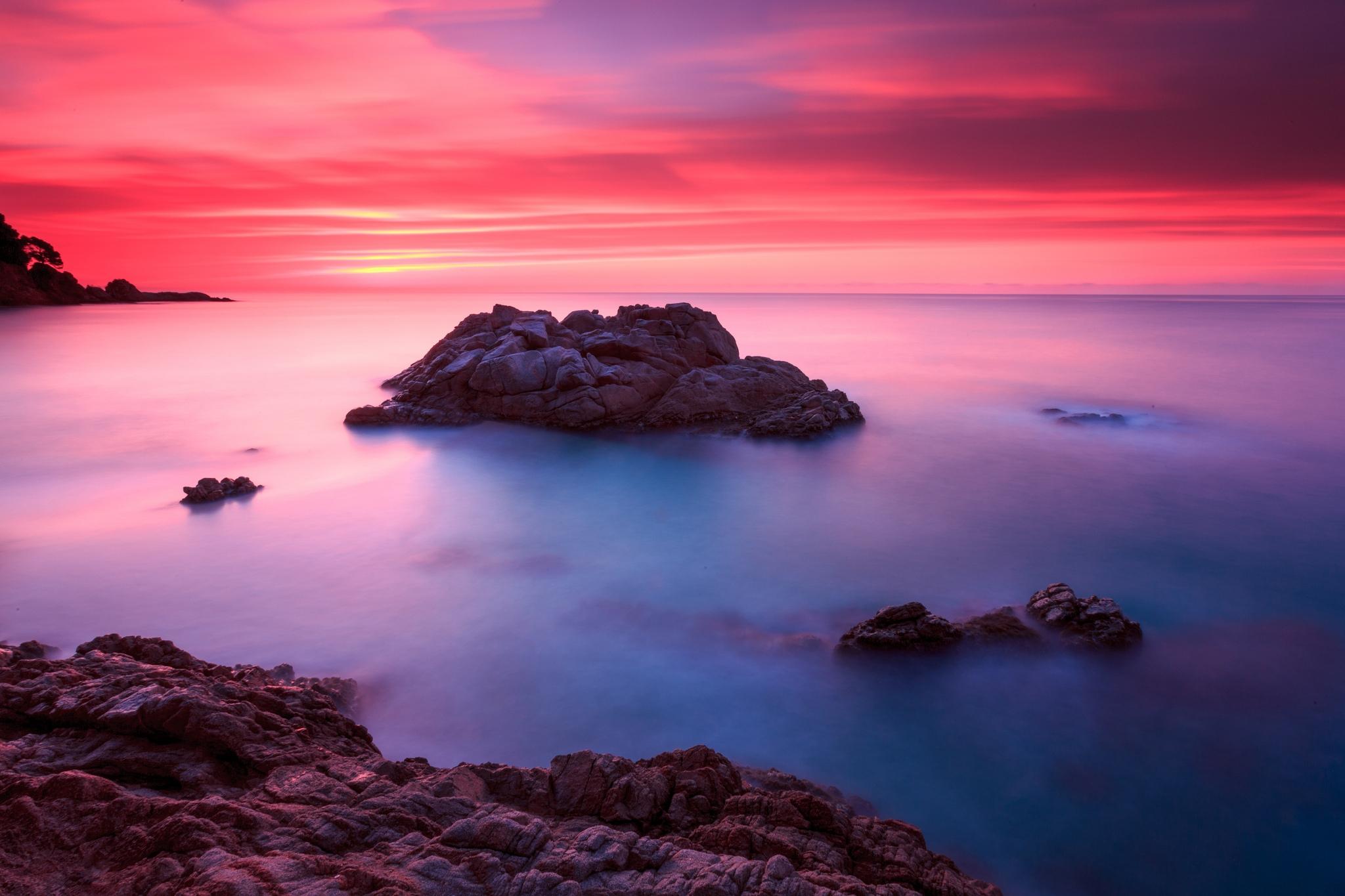 природа море горизонт камни облака небо скалы  № 432365 загрузить