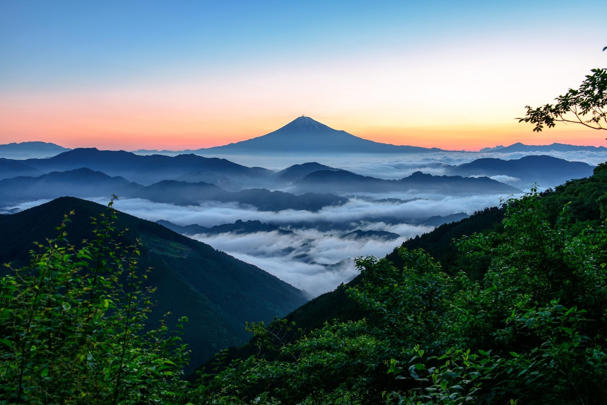 вулкан горы облака туман  № 755043 бесплатно