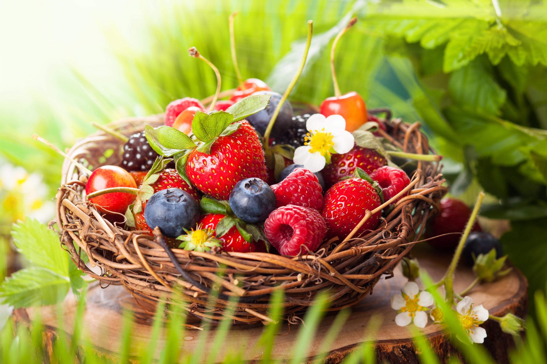 Открытки ягоды цветы