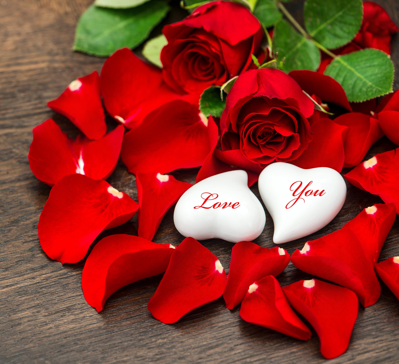 Сердце из лепестков белых роз загрузить