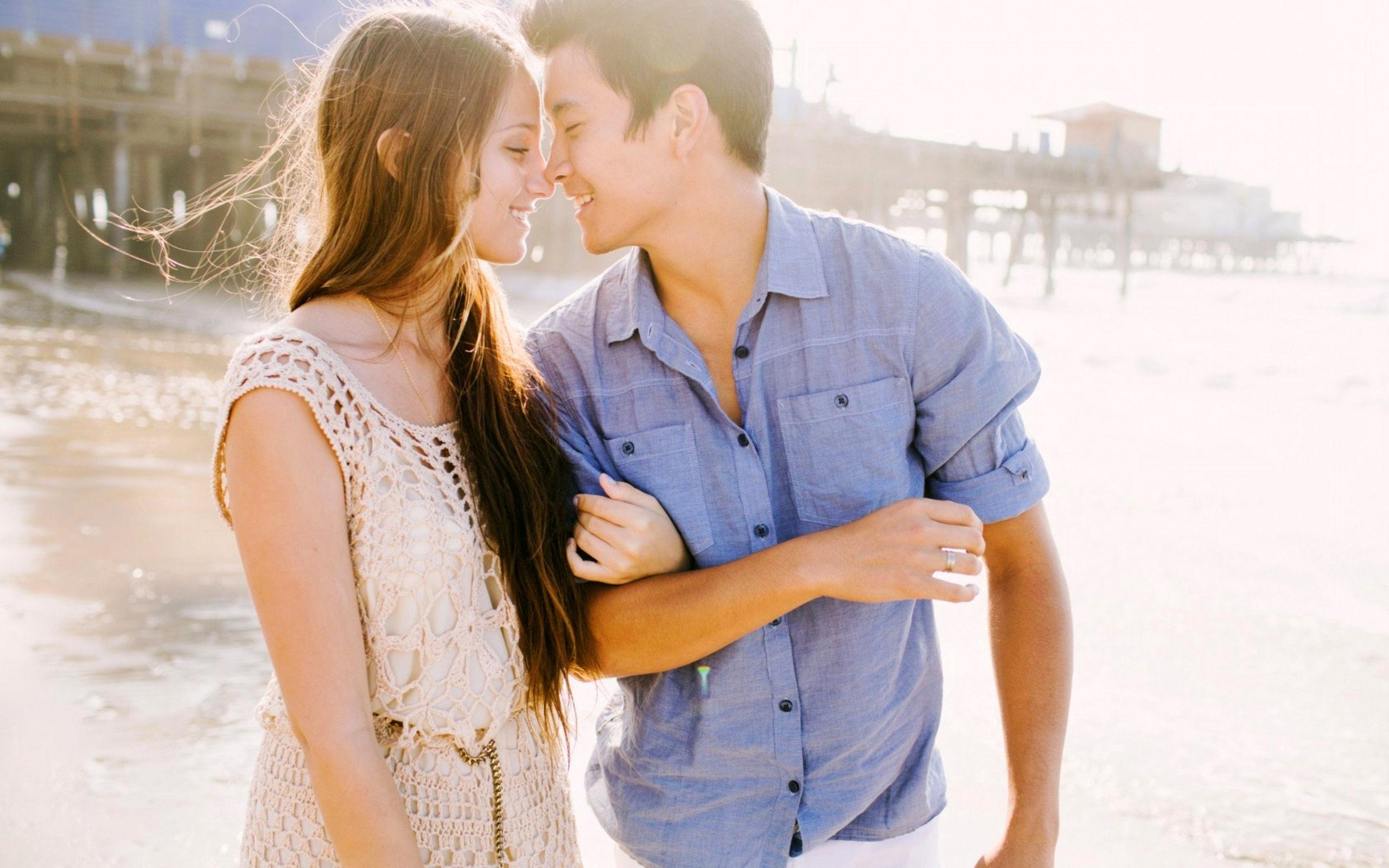 вопрос где обнимались и целовались на первом свидании ваш