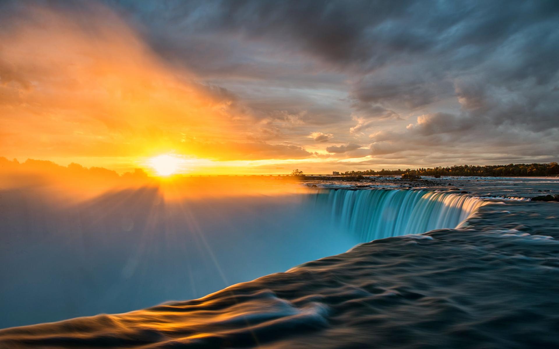 Картинки водопад в лучах солнца