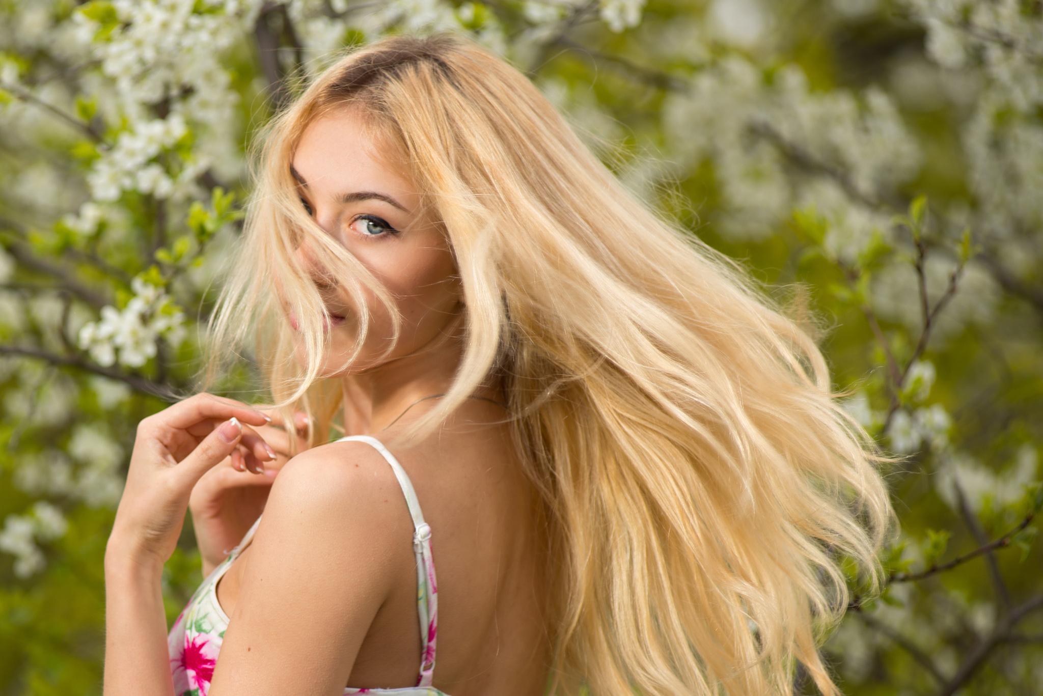 живую фотография блондинки девочки