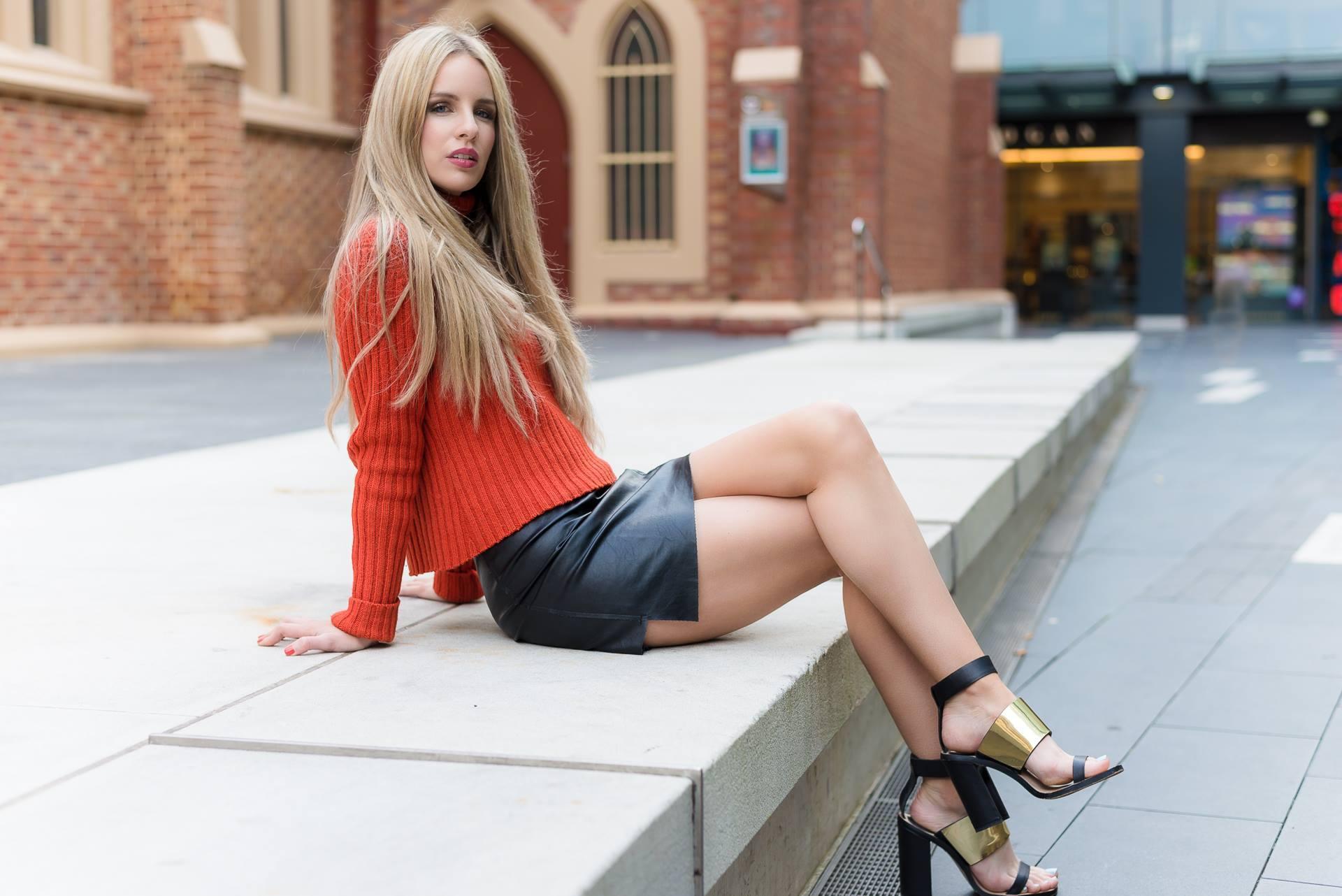 Домашние девки сосут член на порно фото