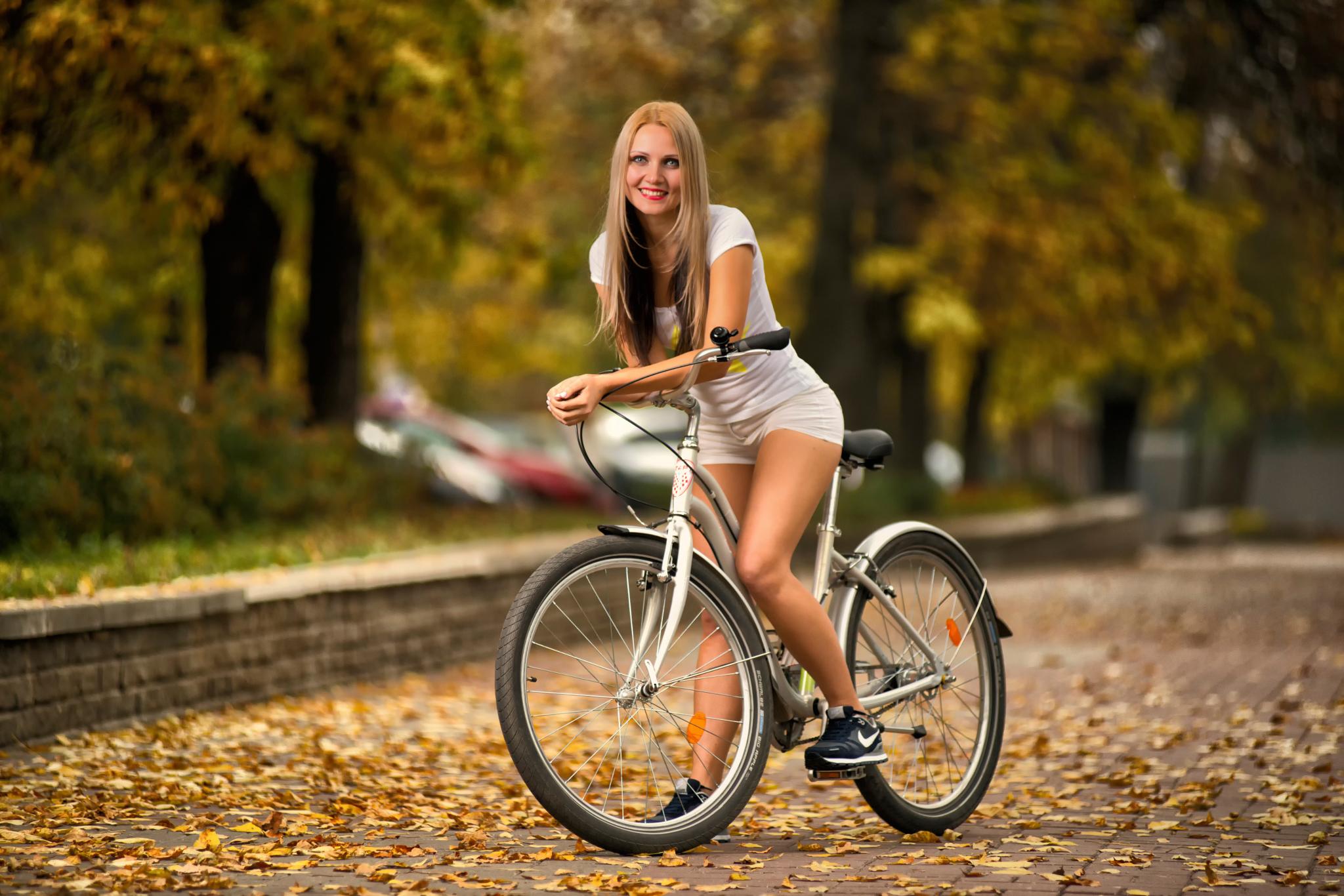 Идеи фото на велосипеде девушки