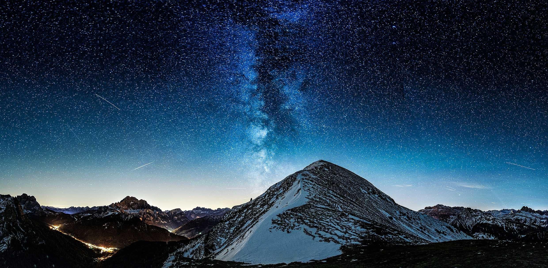 природа космос горы скалы небо звезды ночь  № 851852 загрузить