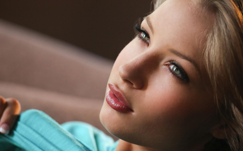 Фото с пухленькими губками, Девушки с отвисшими половыми губами - (65 фото) 24 фотография